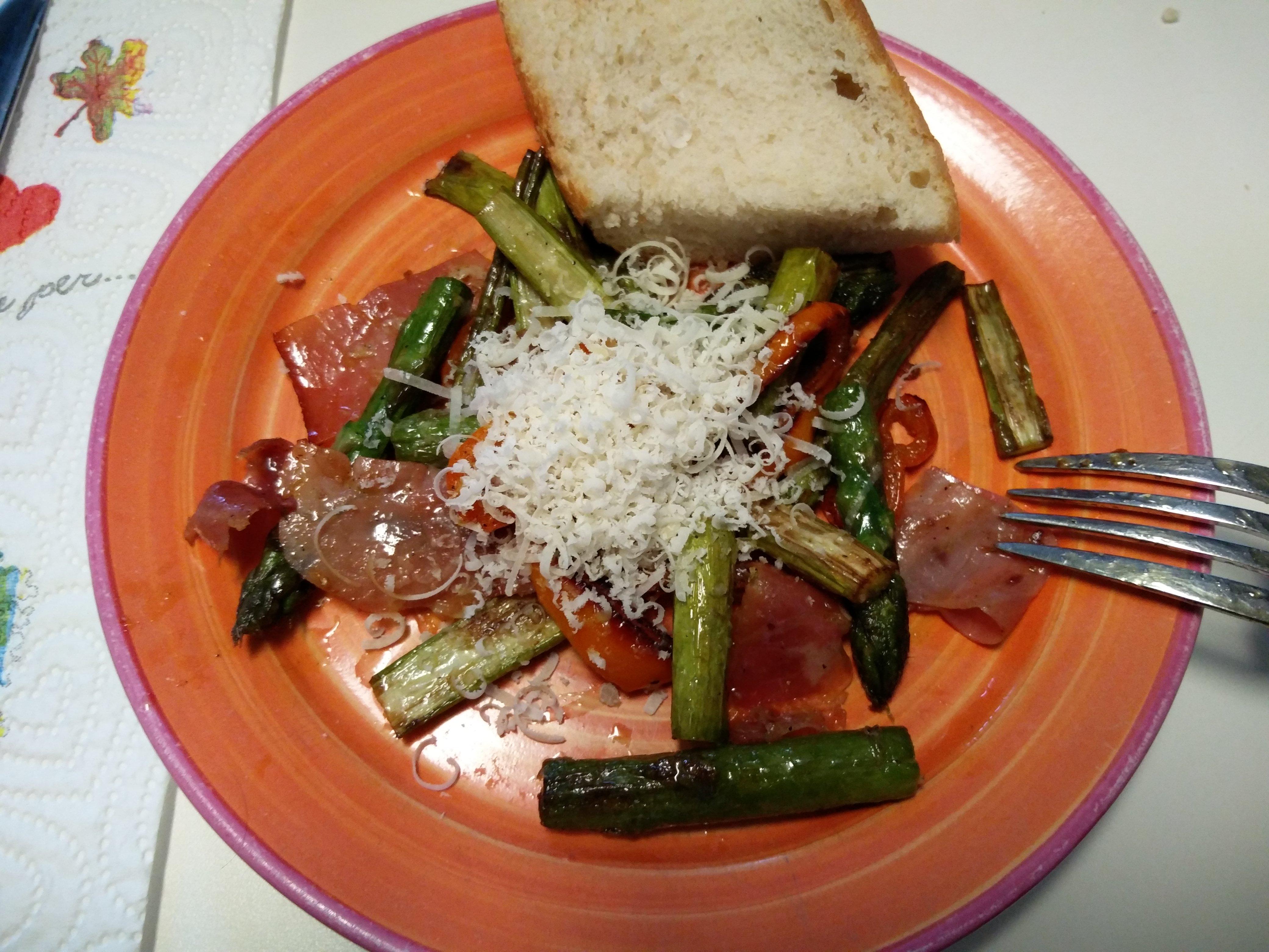 http://foodloader.net/nico_2016-05-06_gruener-spargel-mit-speck.jpg