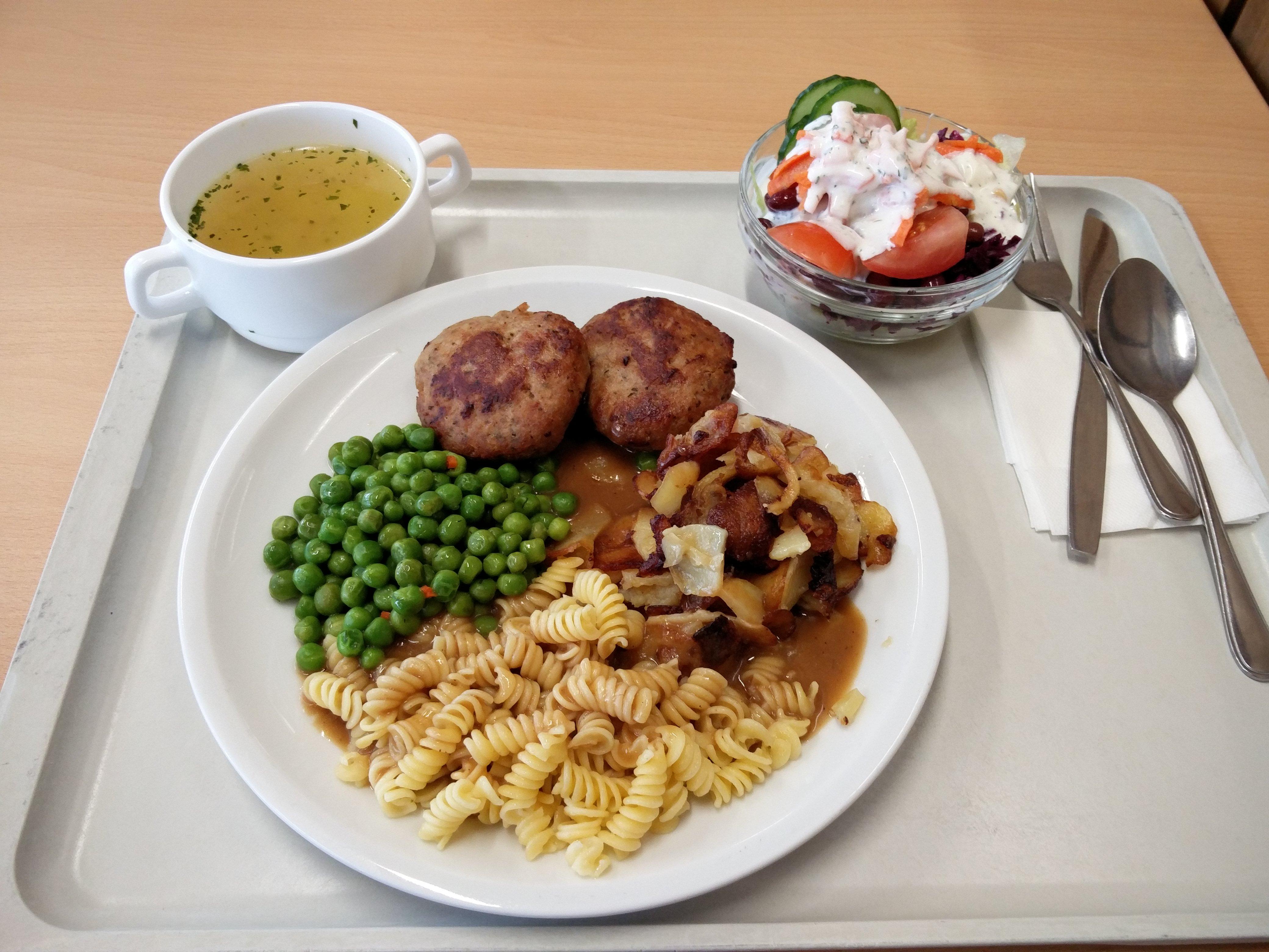 https://foodloader.net/nico_2016-06-10_fleischkuechle-nudeln-bratkartoffeln-suppe-salat.jpg