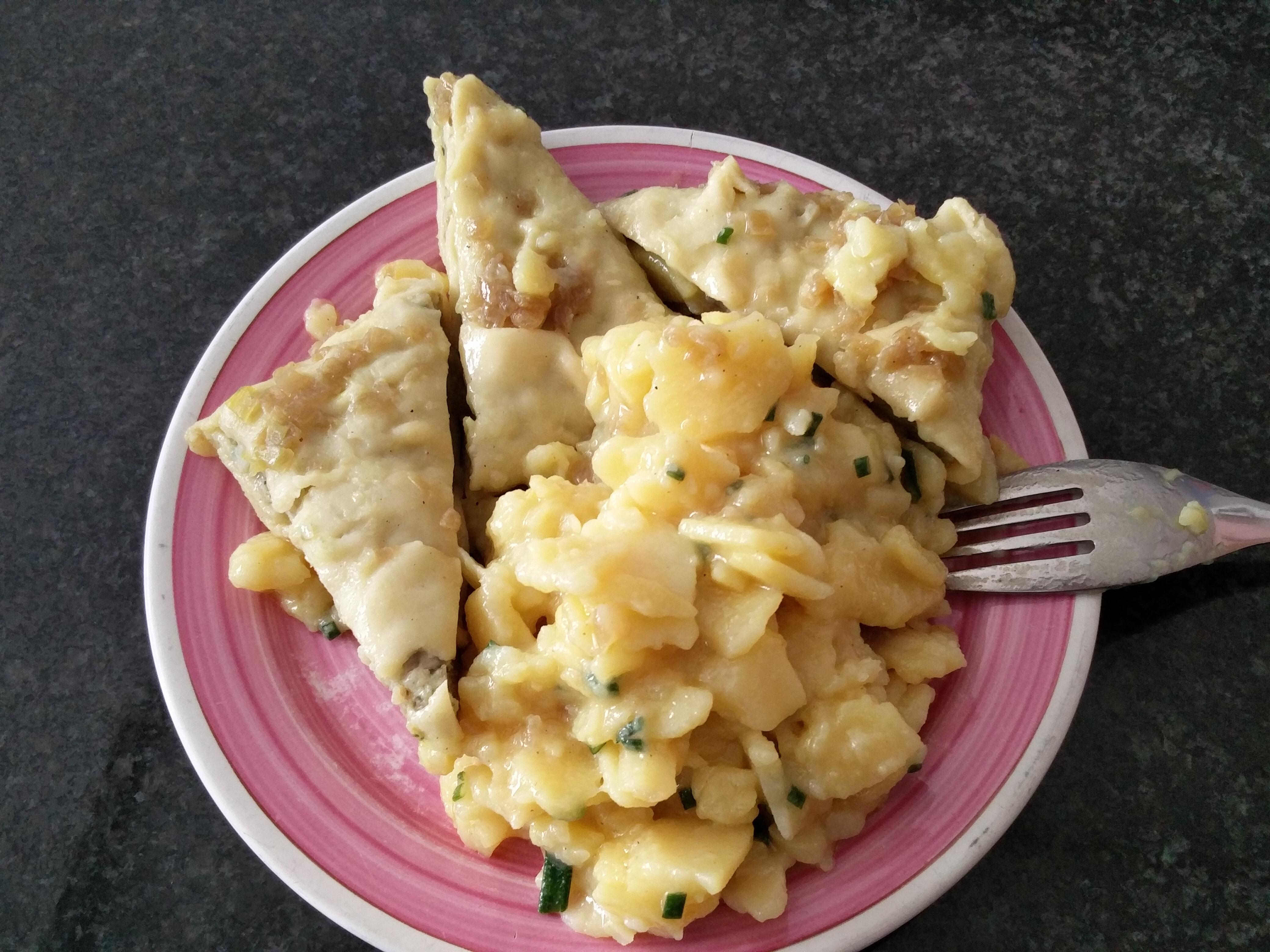https://foodloader.net/nico_2016-09-25_maultaschen-mit-kartoffelsalat.jpg