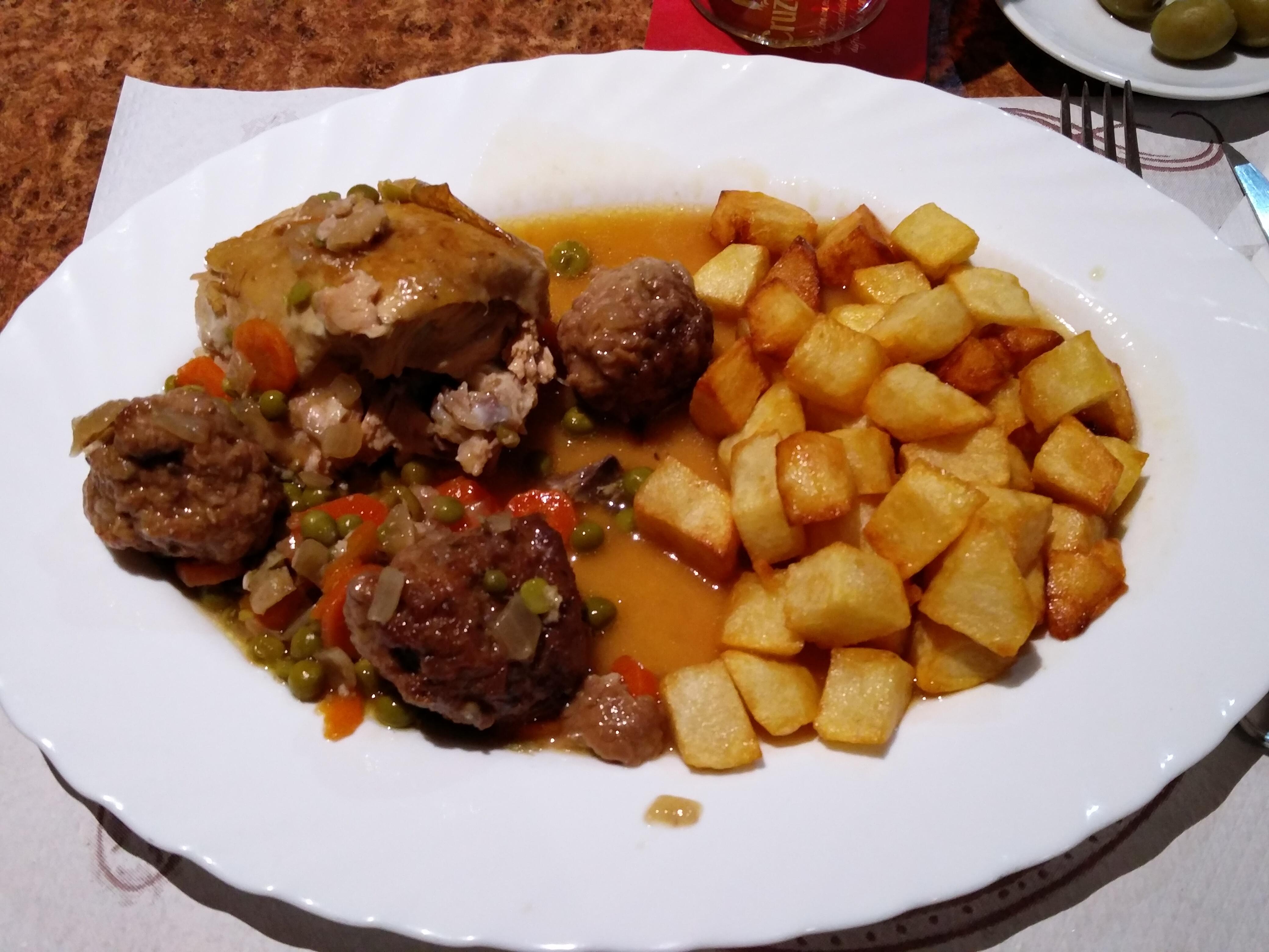 http://foodloader.net/nico_2016-10-21_haehnchen-fleischbaellchen-kartoffeln.jpg