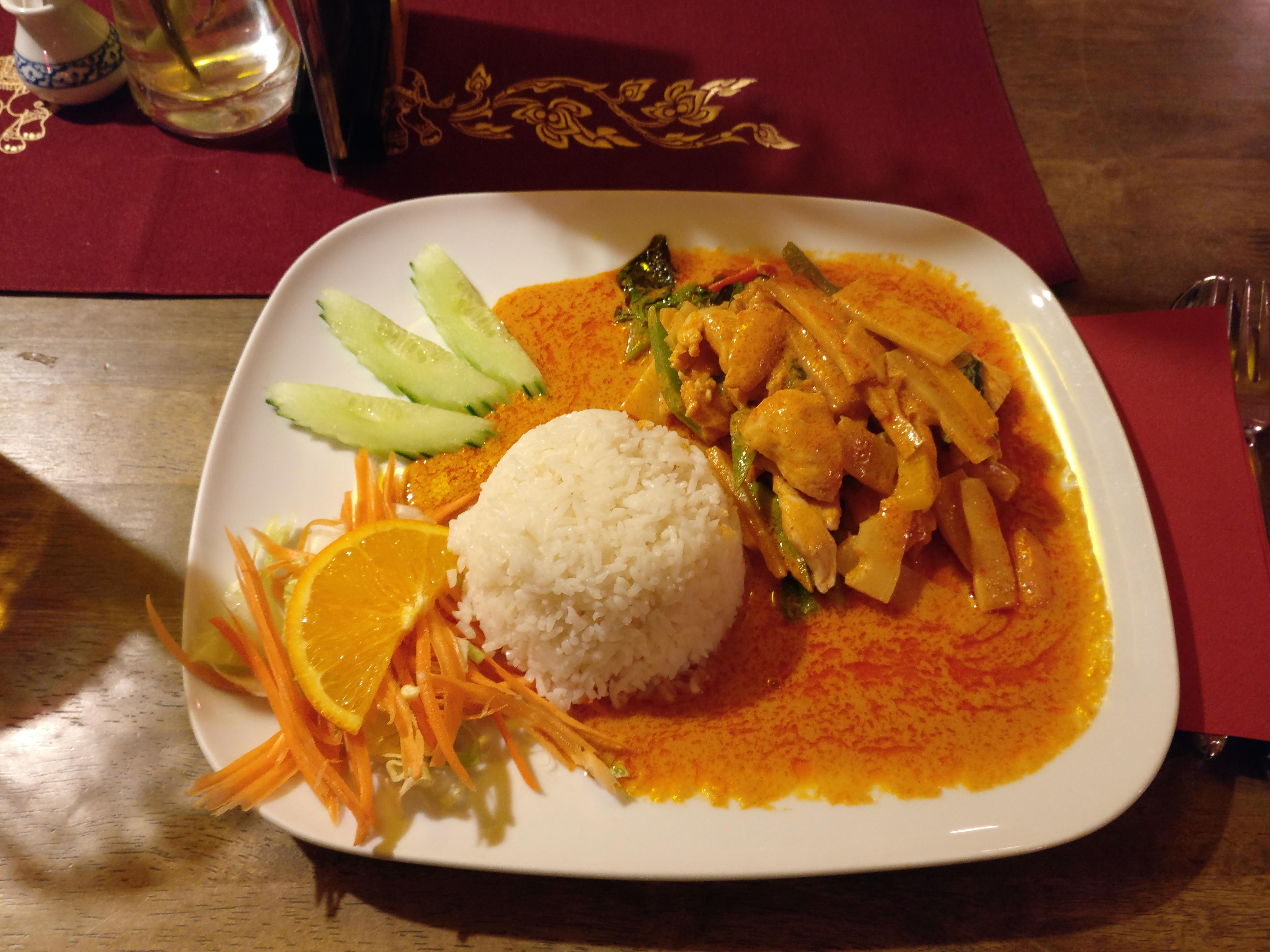http://foodloader.net/nico_2017-01-26_reis-gemuese-chicken-curry.jpg