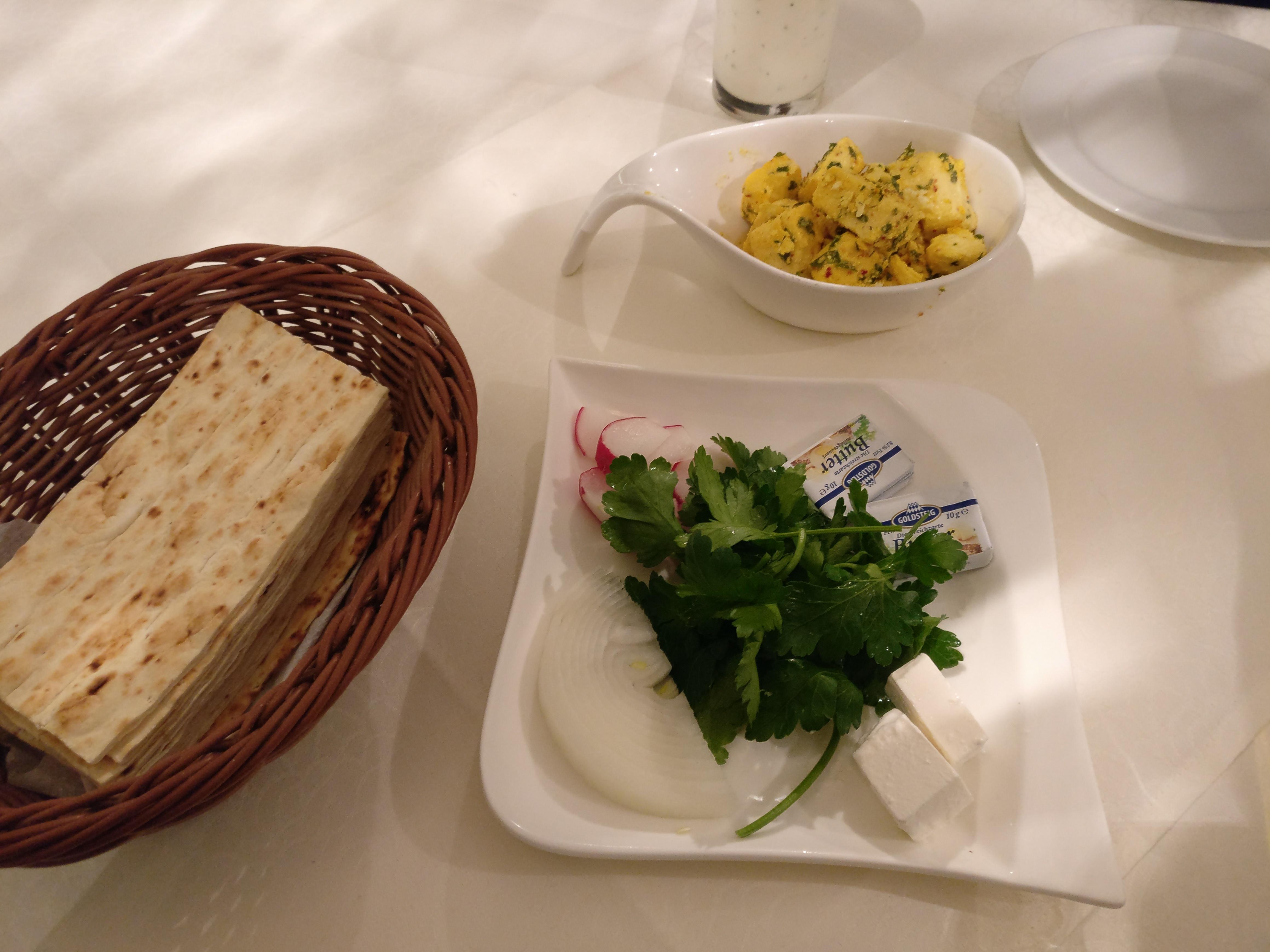 http://foodloader.net/nico_2017-03-14_brot-kaese-mit-knoblauch.jpg