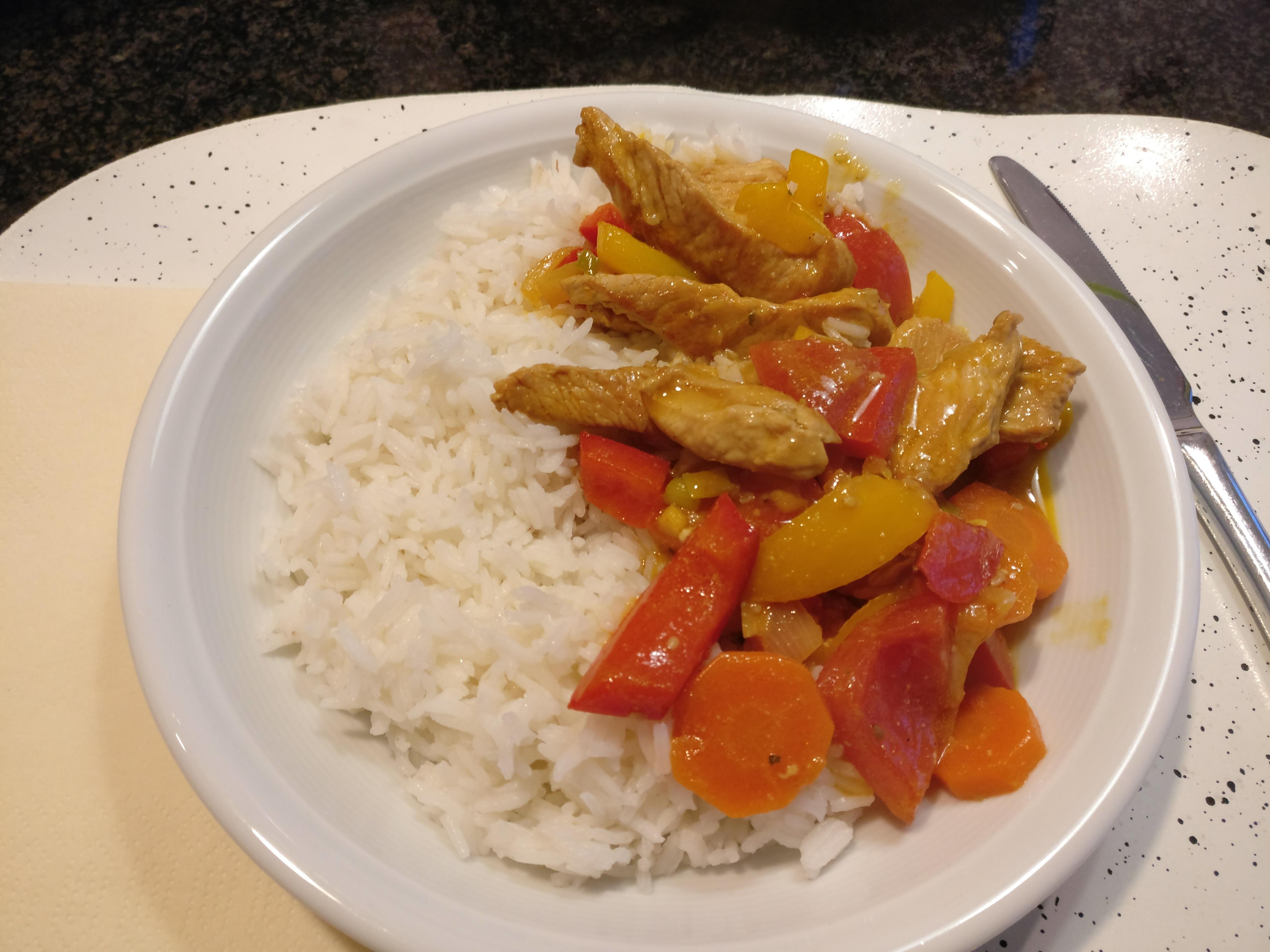 https://foodloader.net/nico_2017-03-19_reis-puten-gemuese-curry.jpg