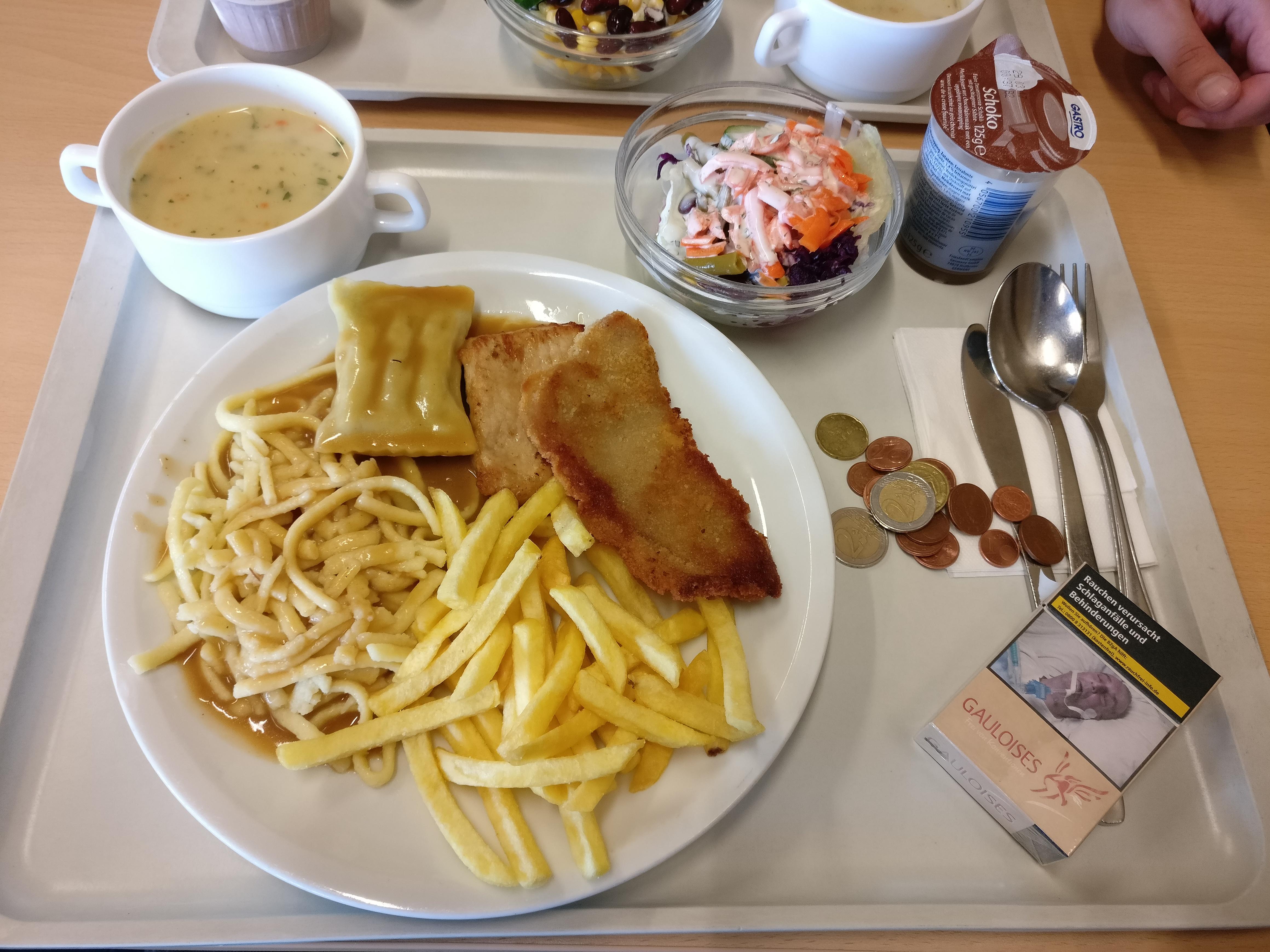 http://foodloader.net/nico_2017-03-23_schwabenteller-mit-spaetzle-und-pommes-suppe-salat-nachtisch.jpg
