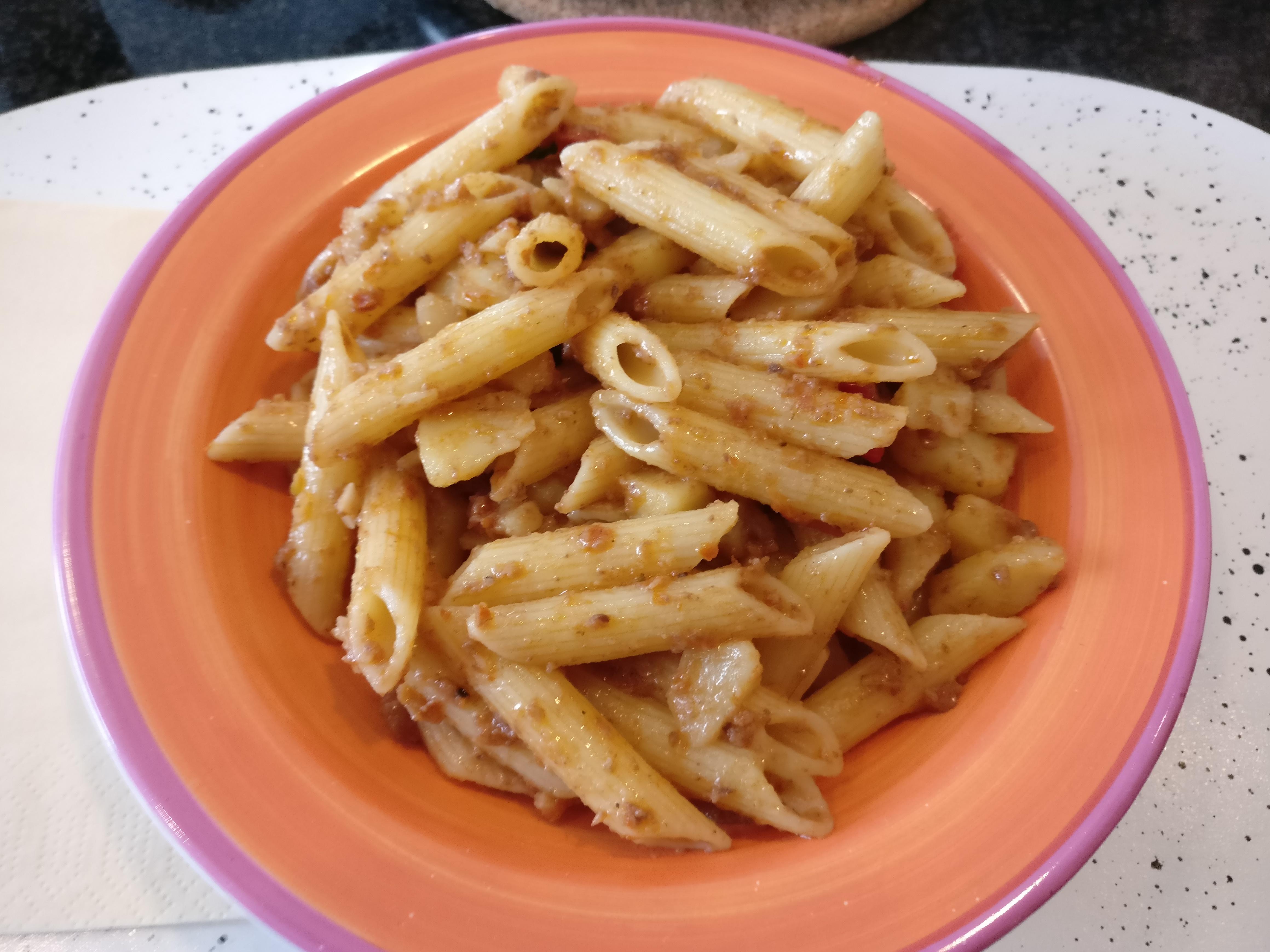http://foodloader.net/nico_2017-04-15_penne-mit-kartoffeln-tomatensauce-und-wurst.jpg