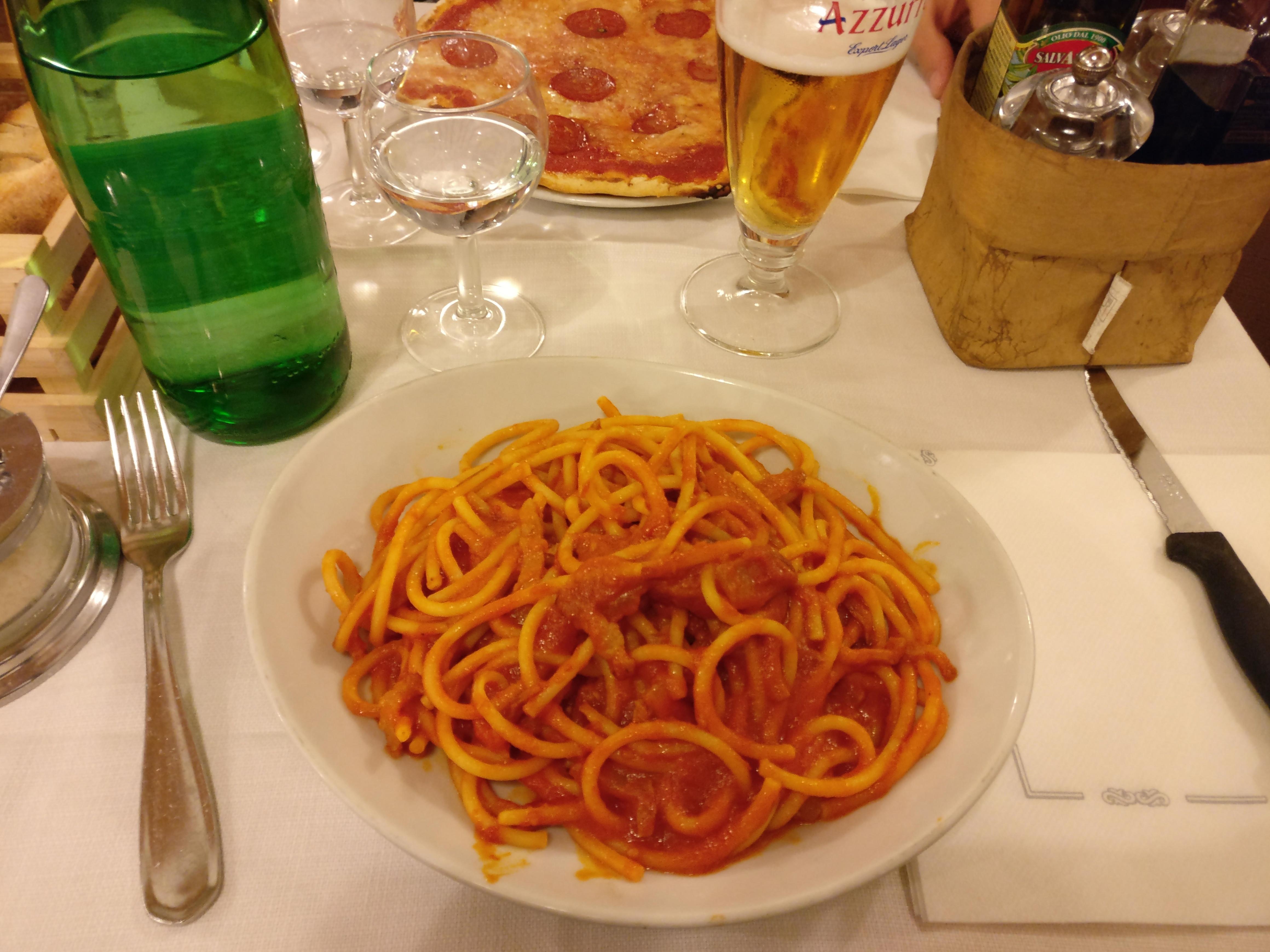 http://foodloader.net/nico_2017-04-21_bucatini-amatriciana.jpg