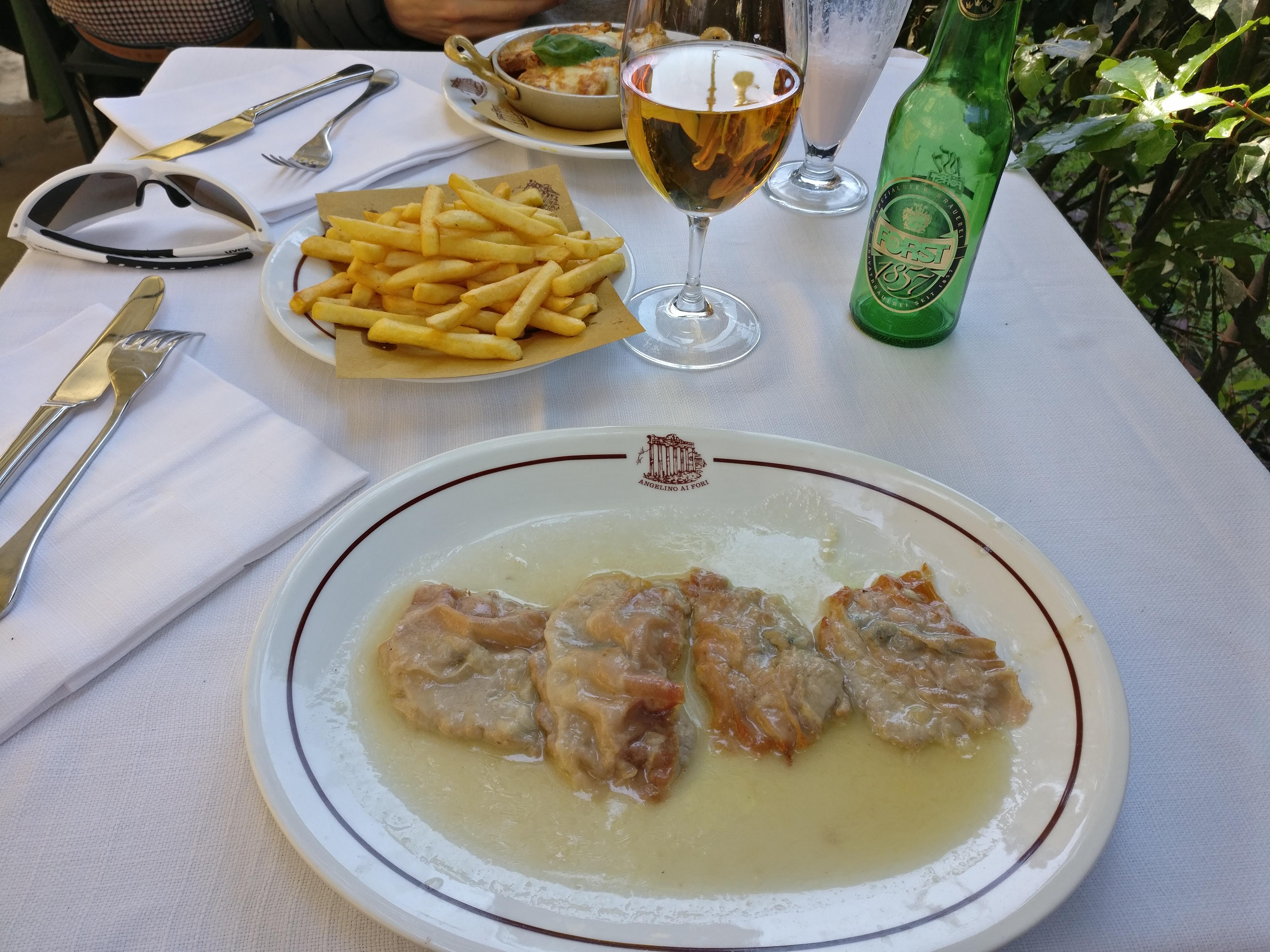 http://foodloader.net/nico_2017-04-22_saltimbocca-und-pommes-frites.jpg