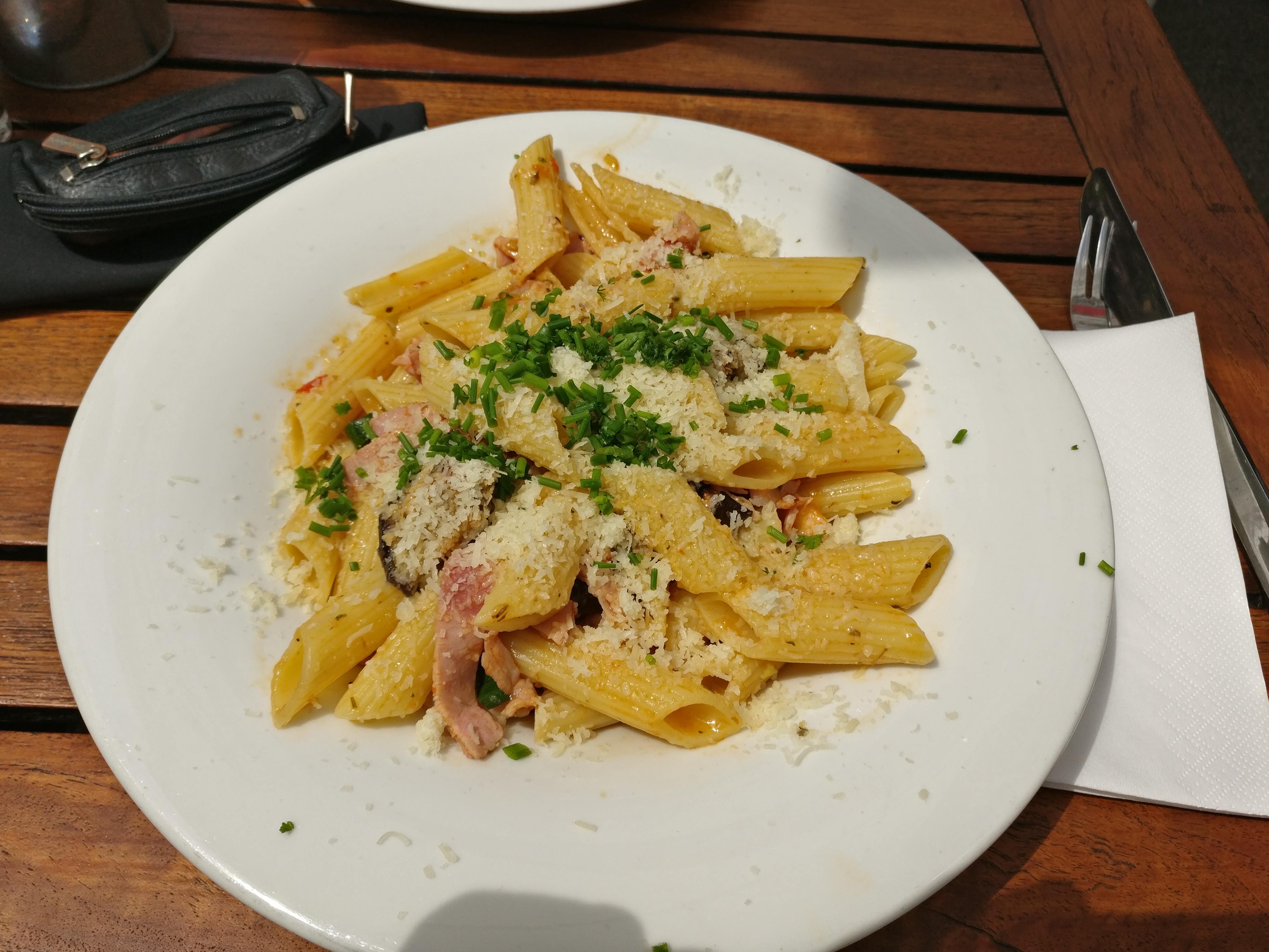 http://foodloader.net/nico_2017-05-18_penne-auberginen-schinken-parmesan.jpg