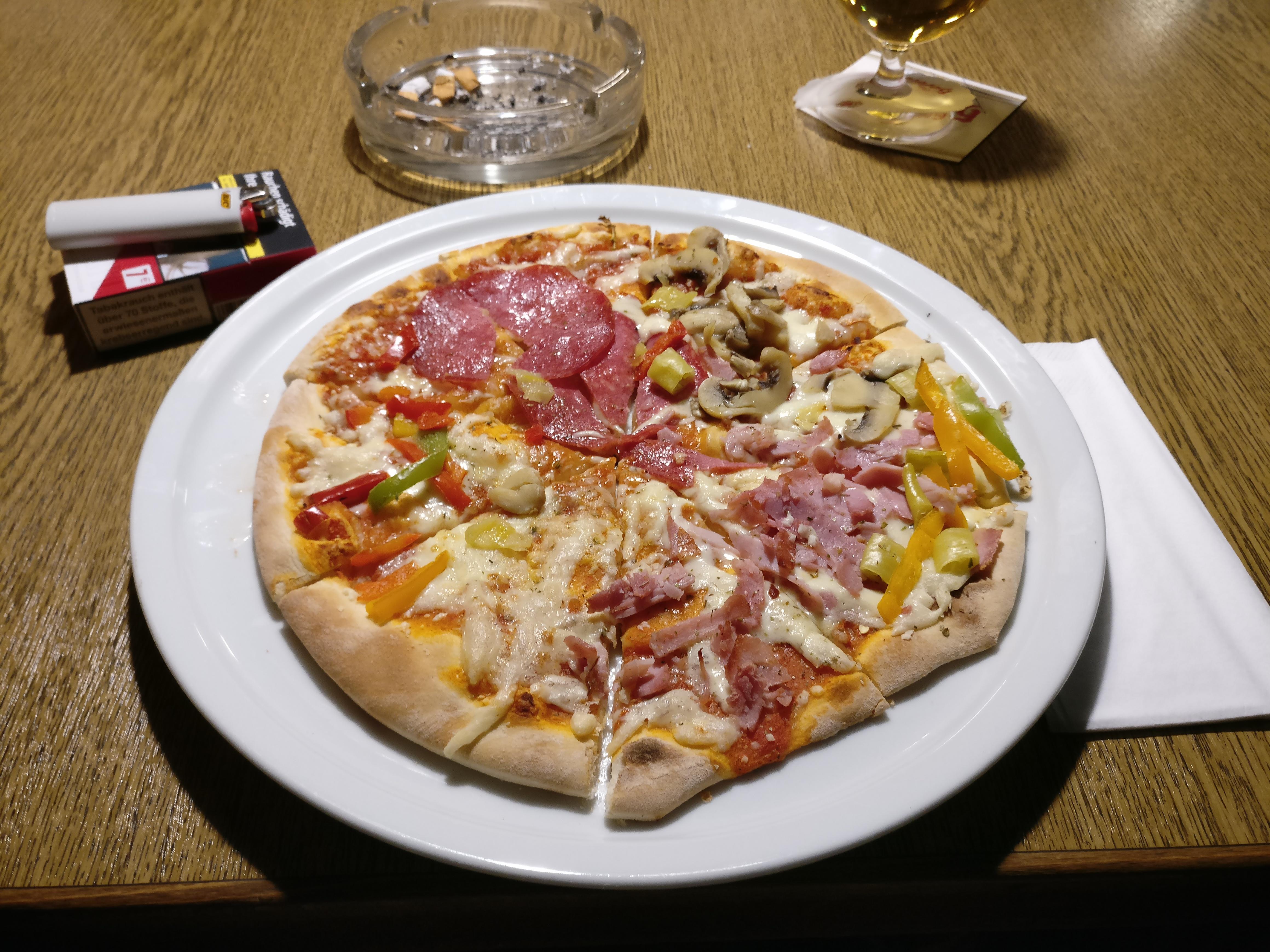 http://foodloader.net/nico_2017-05-19_pizza-vier-jahreszeiten.jpg