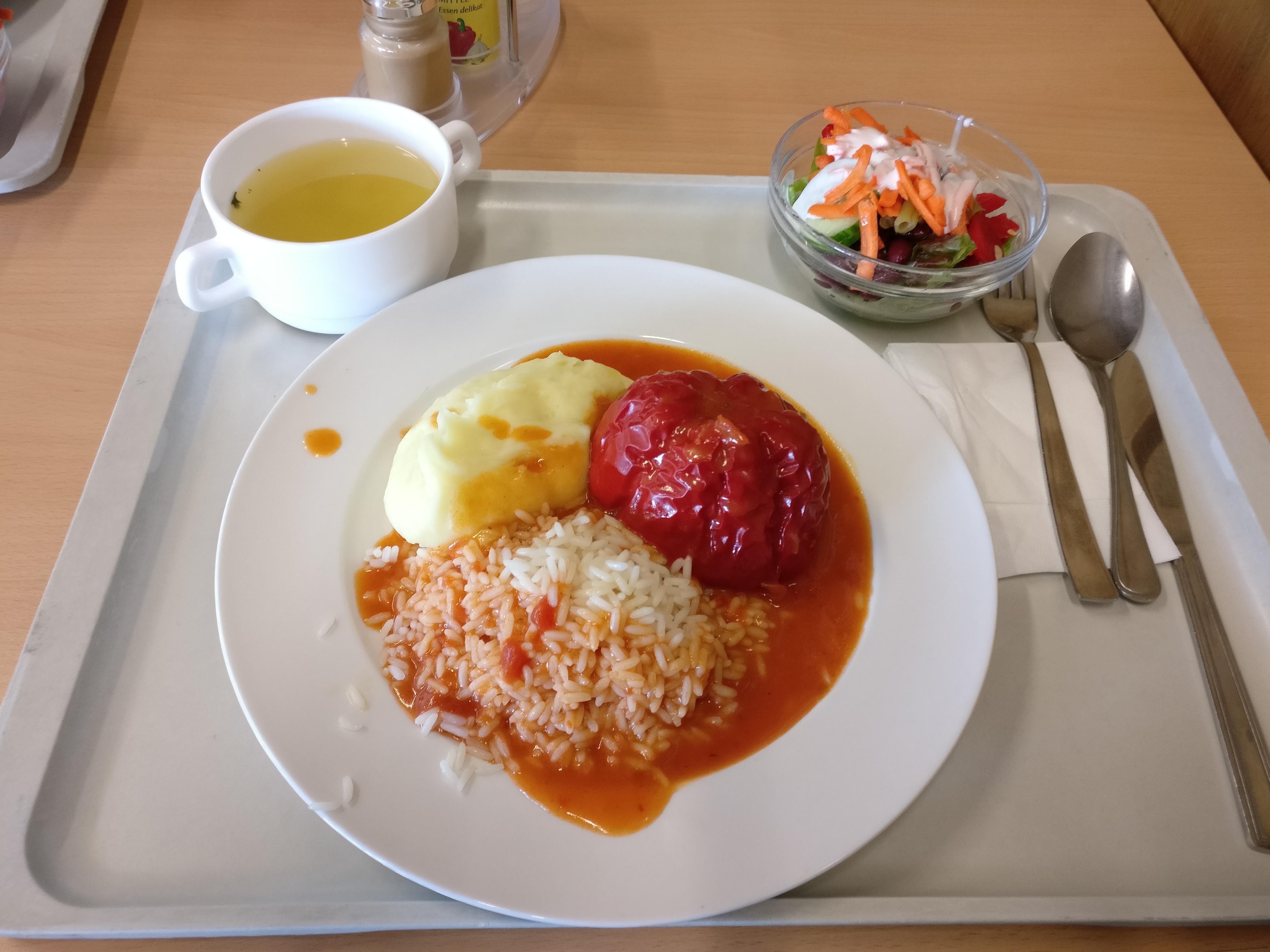 http://foodloader.net/nico_2017-05-22_gefuellte-paprika-kartoffelpuree-reis-suppe-salat.jpg
