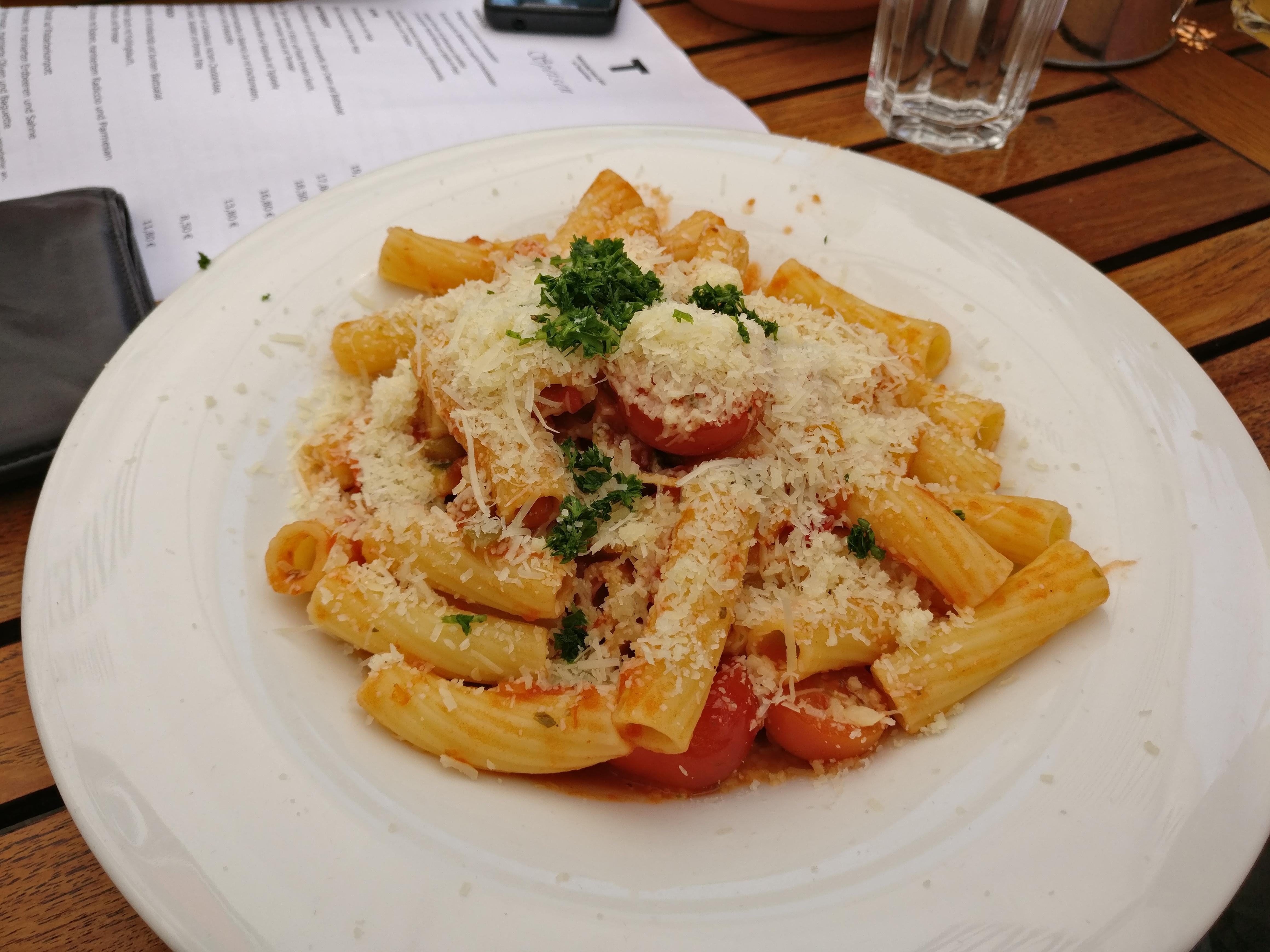 http://foodloader.net/nico_2017-05-29_rigatoni-mit-gemuese-sauce.jpg