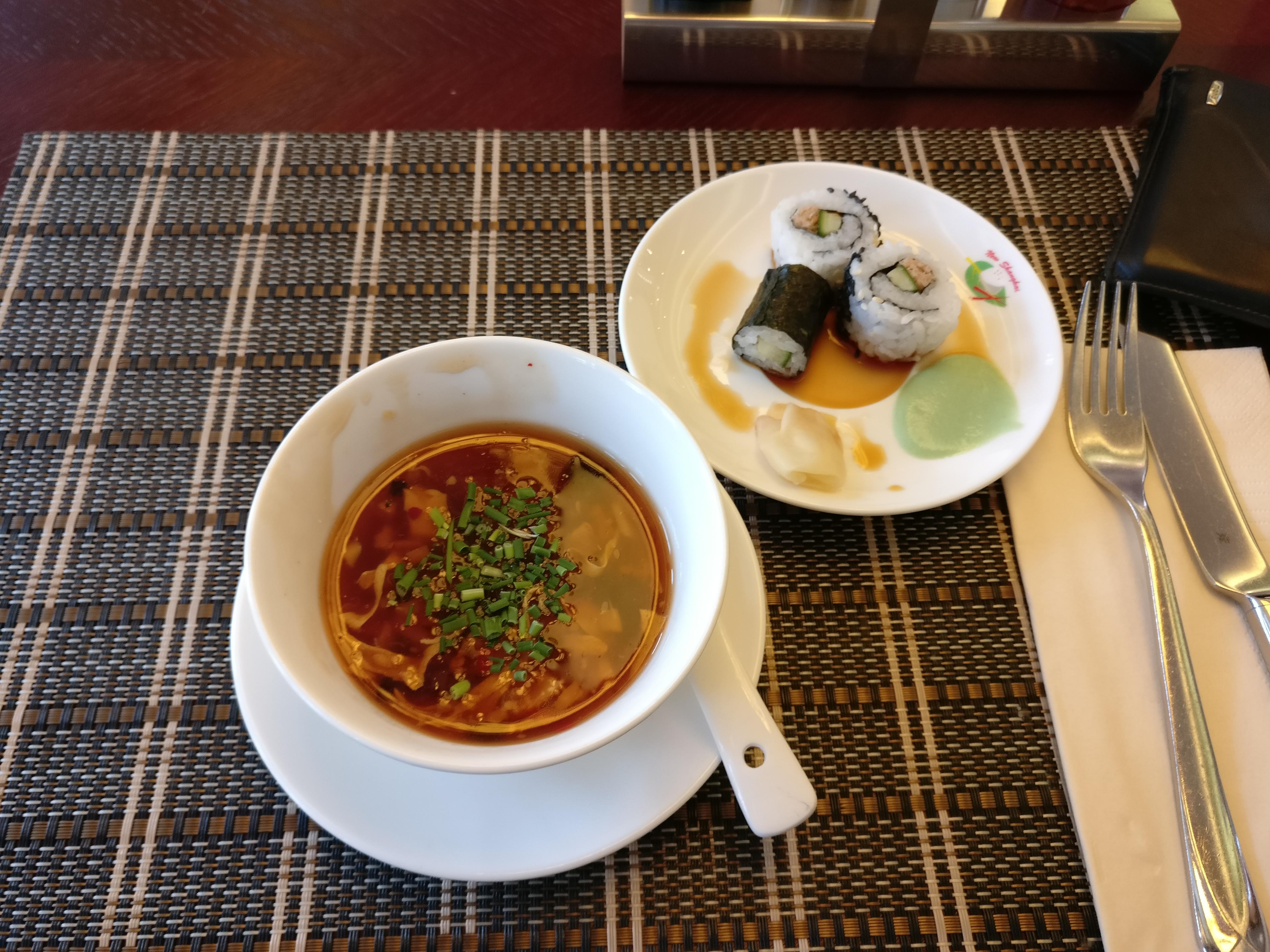 http://foodloader.net/nico_2017-05-30_suppe-und-sushi.jpg