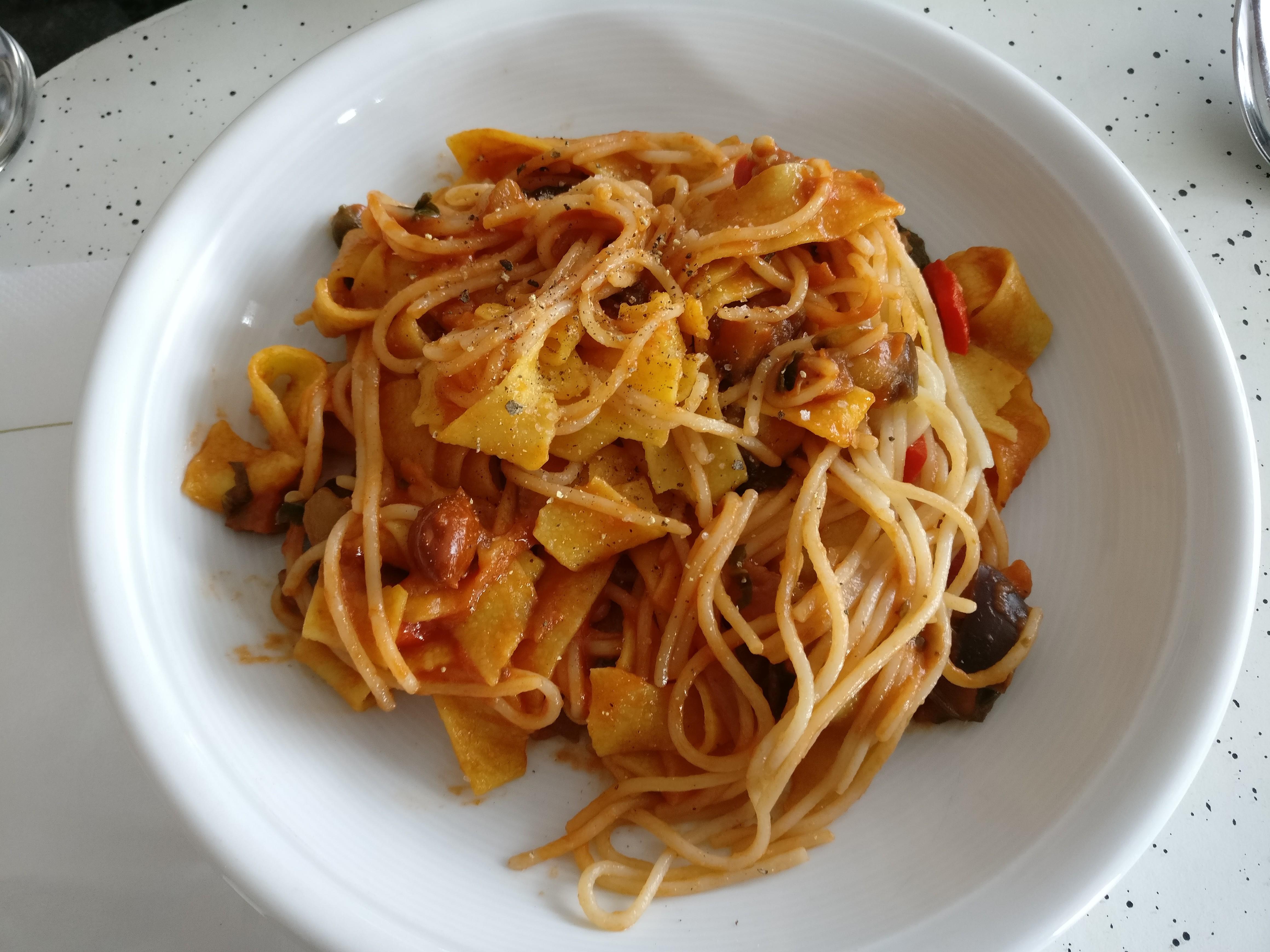 http://foodloader.net/nico_2017-06-03_nudeln-mit-auberginen-sauce.jpg