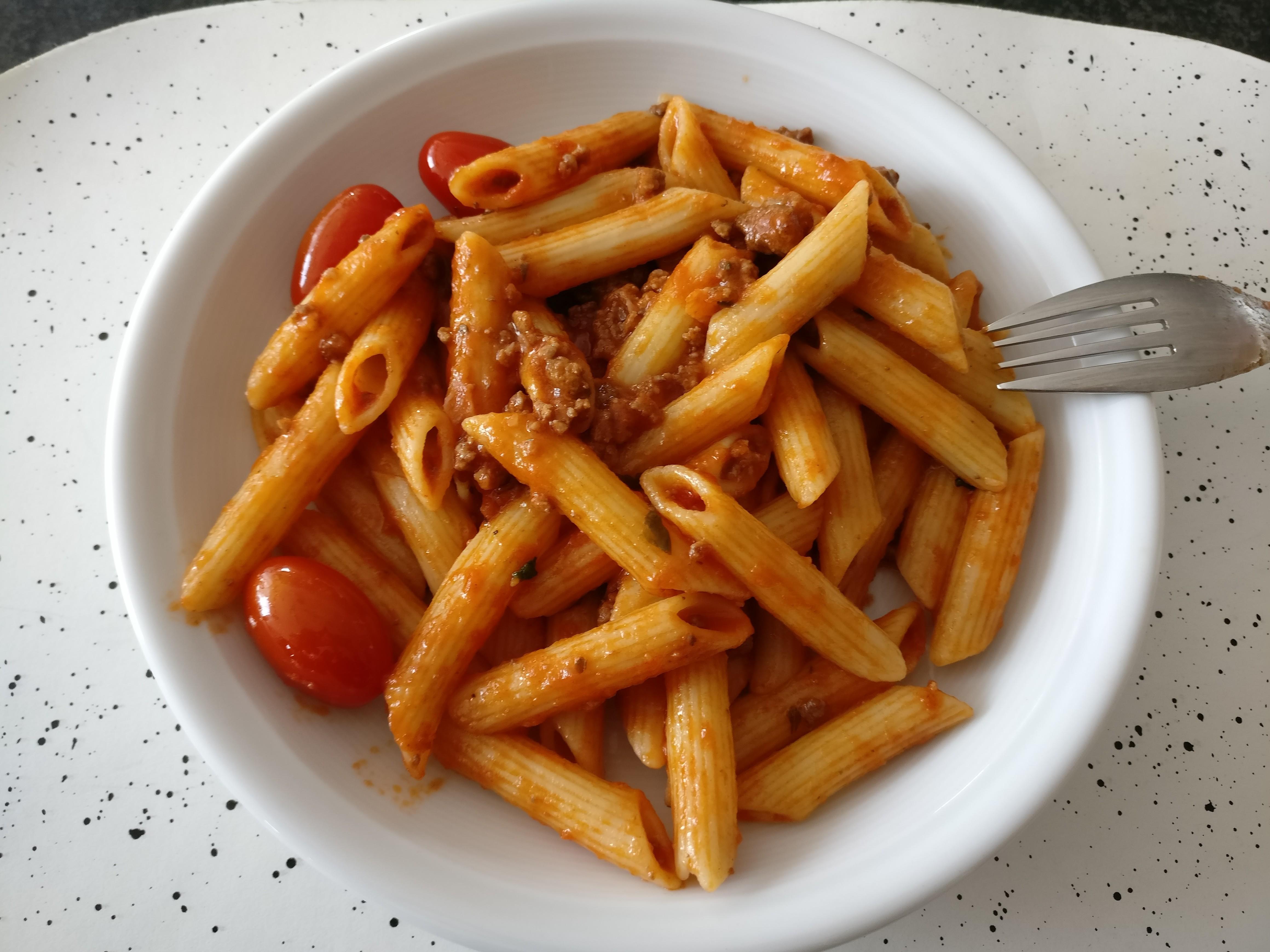 http://foodloader.net/nico_2017-06-03_penne-bolognese.jpg