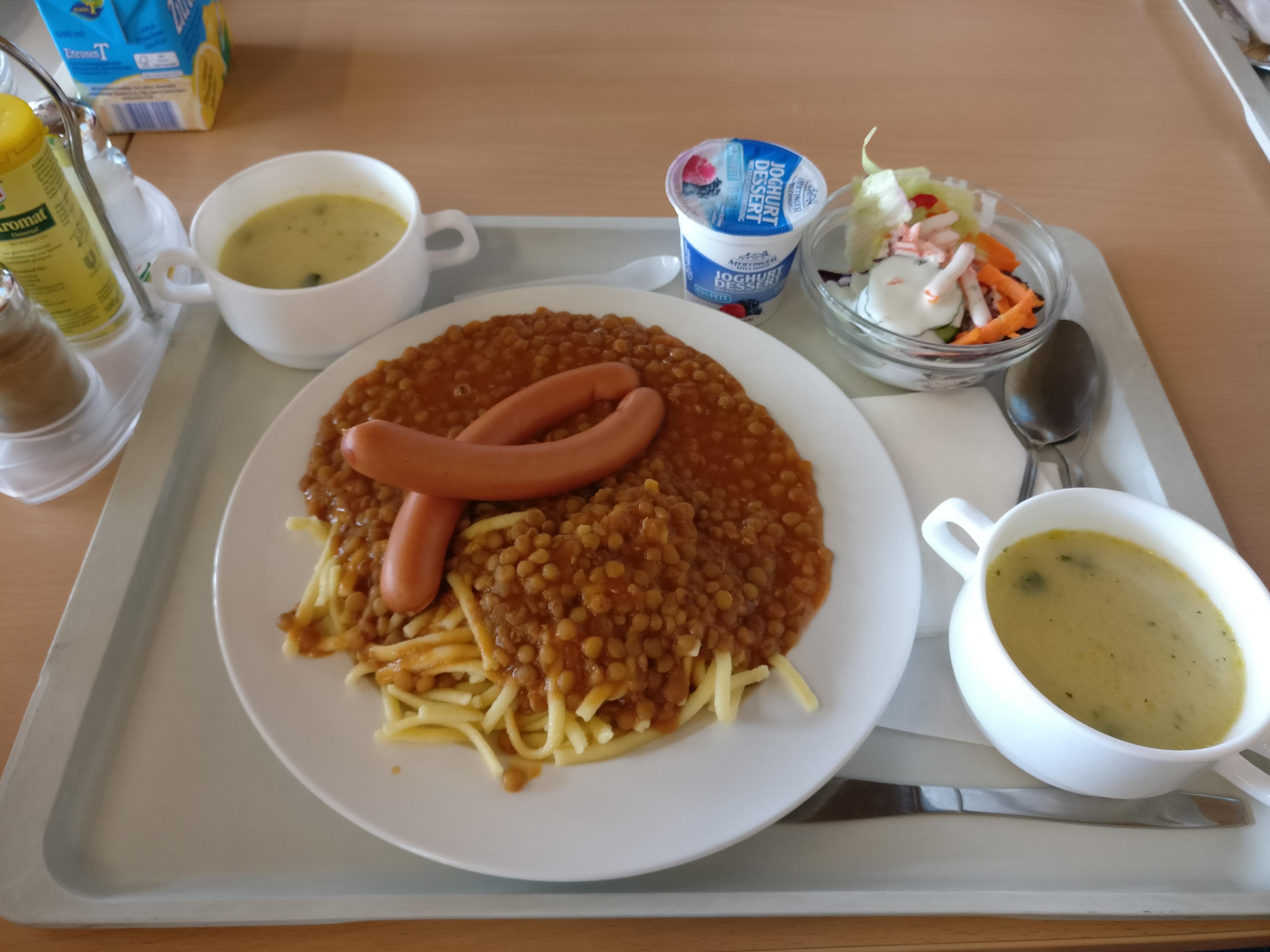 http://foodloader.net/nico_2017-07-04_linsen-mit-spaetzle-und-saitenwuerstchen-suppen-salat-nachtisch.jpg