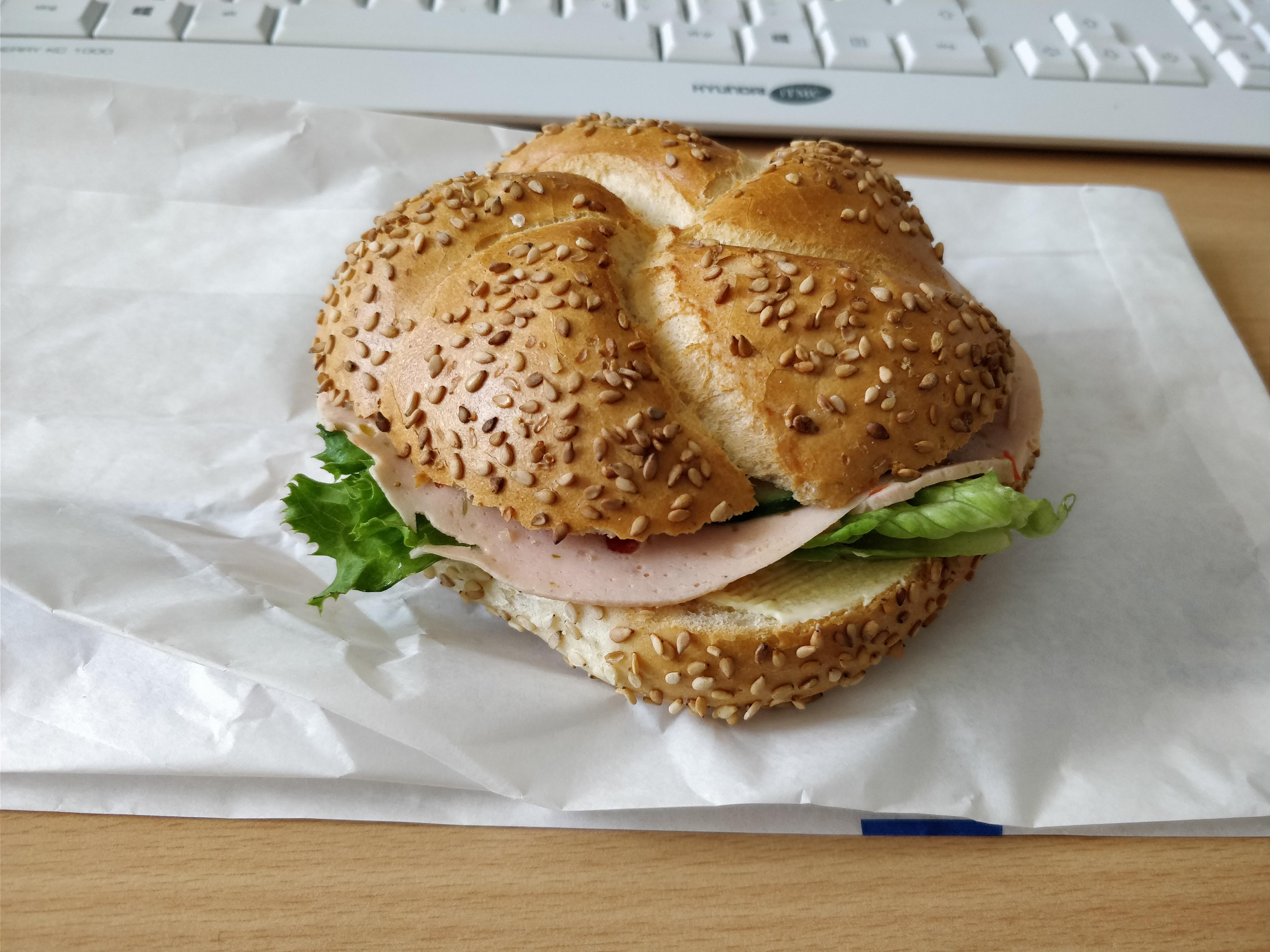 http://foodloader.net/nico_2017-07-13_belegtes-broetchen.jpg