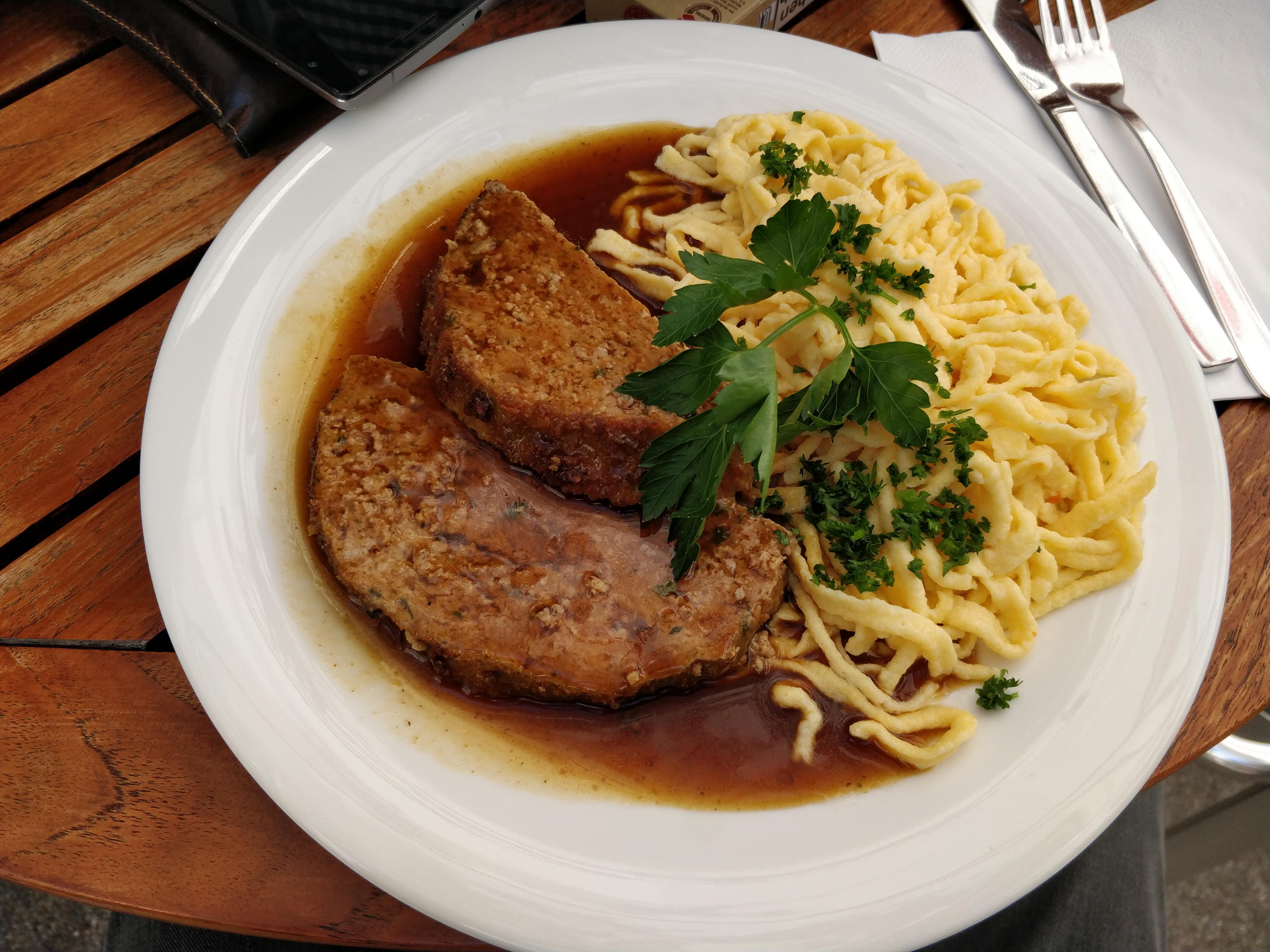 http://foodloader.net/nico_2017-07-13_hackbraten-mit-spaetzle.jpg