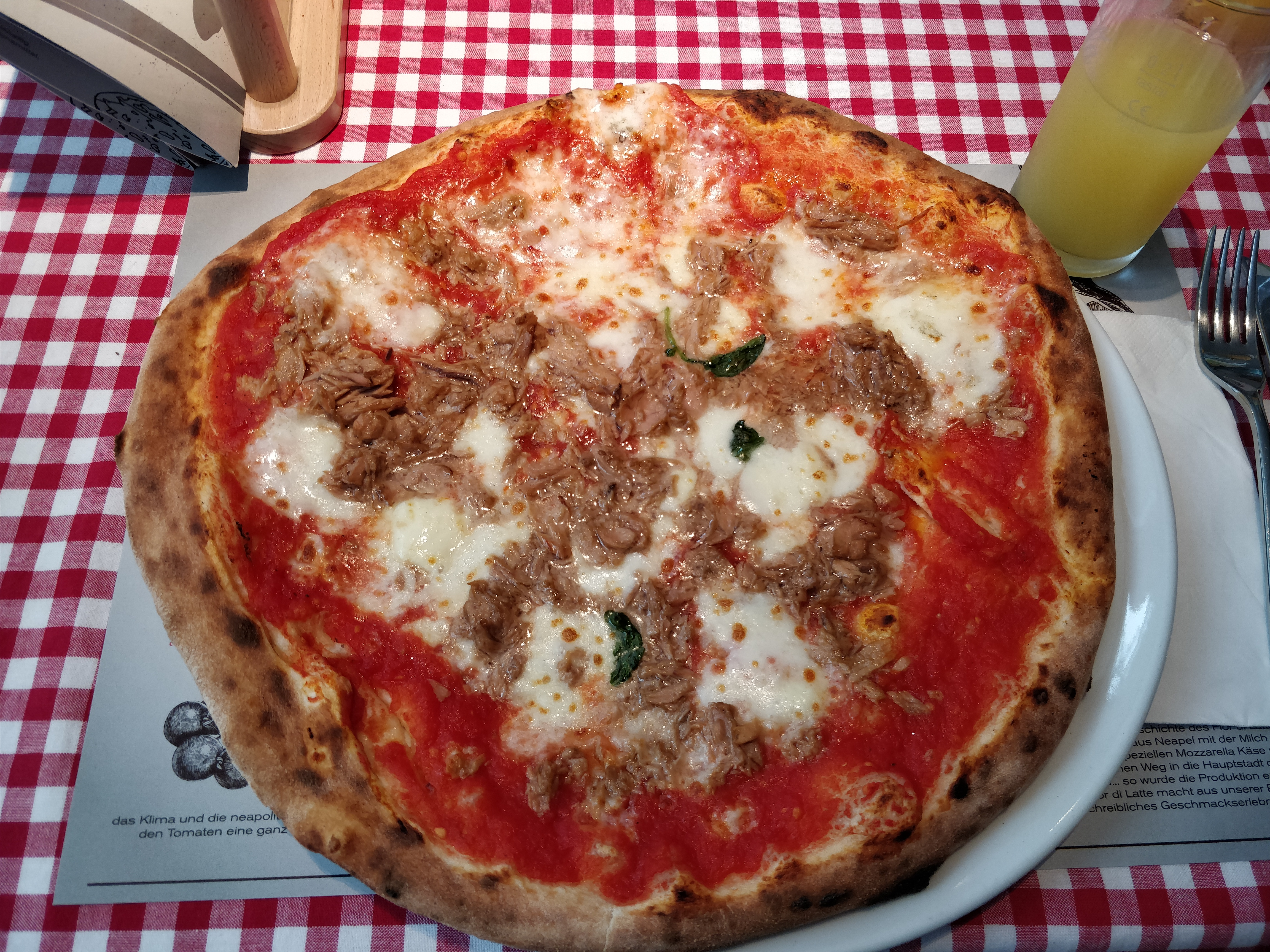 http://foodloader.net/nico_2017-07-27_thunfischpizza.jpg