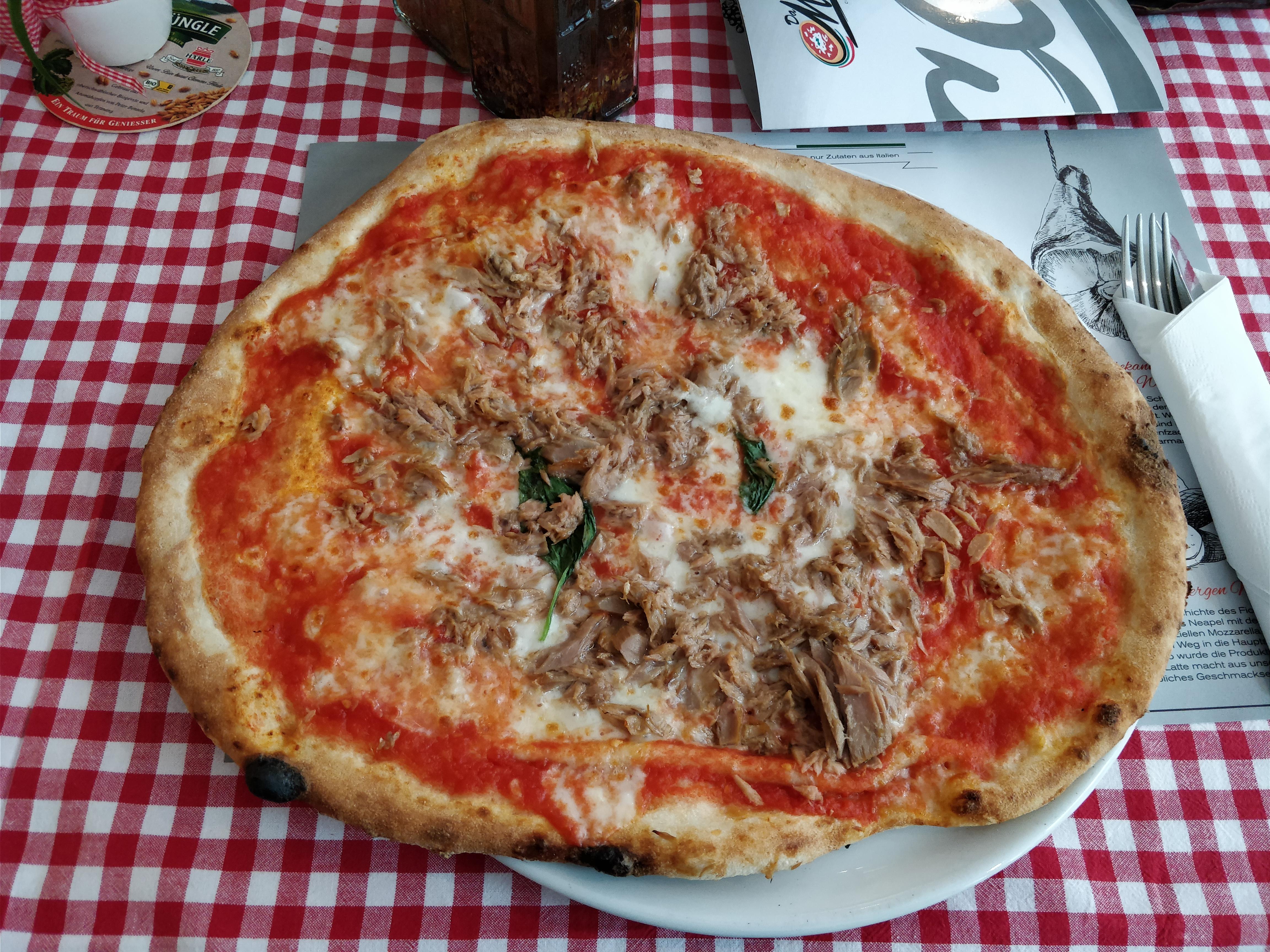 http://foodloader.net/nico_2017-08-31_thunfischpizza.jpg