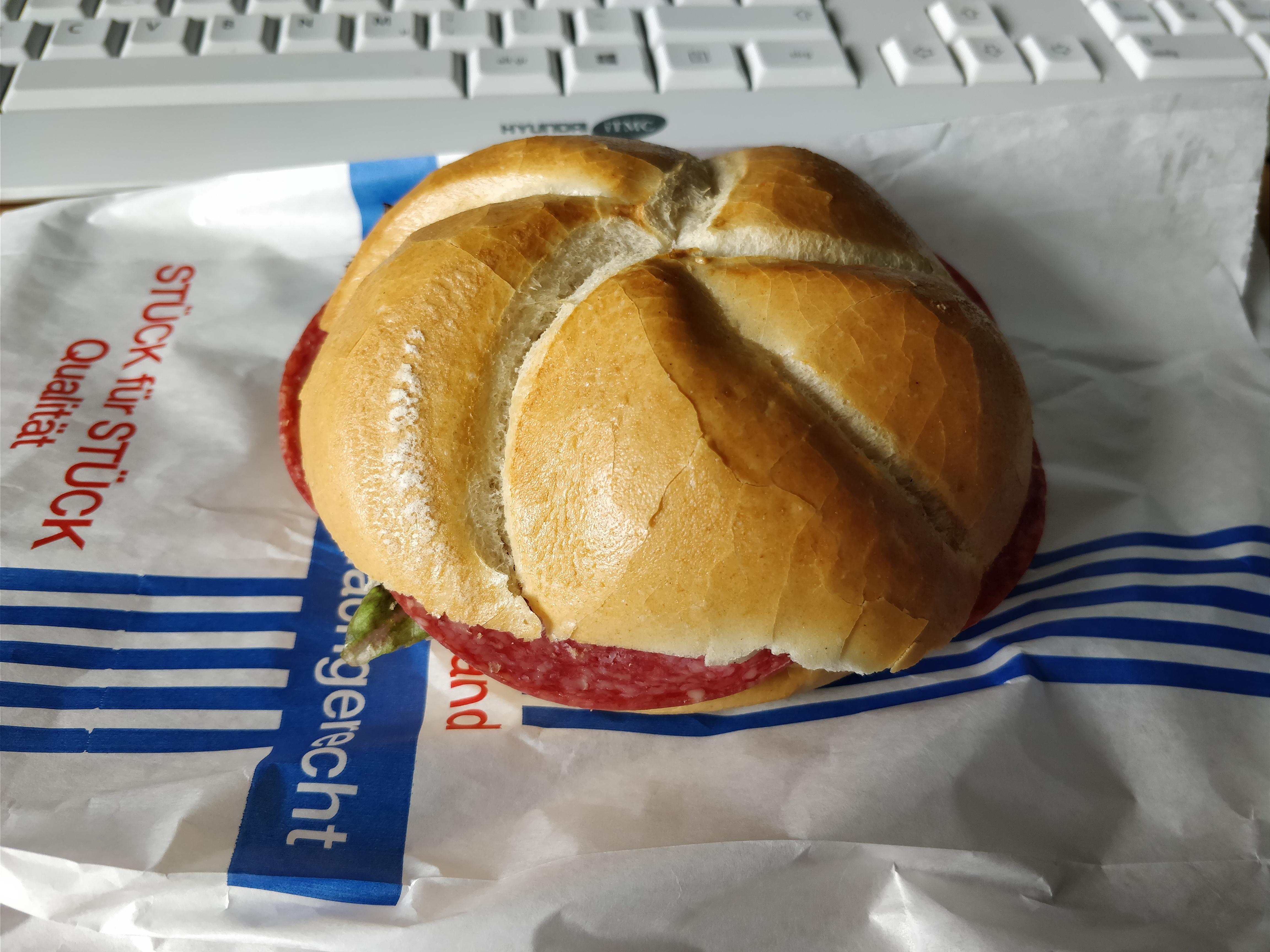 http://foodloader.net/nico_2017-09-05_belegtes-broetchen.jpg