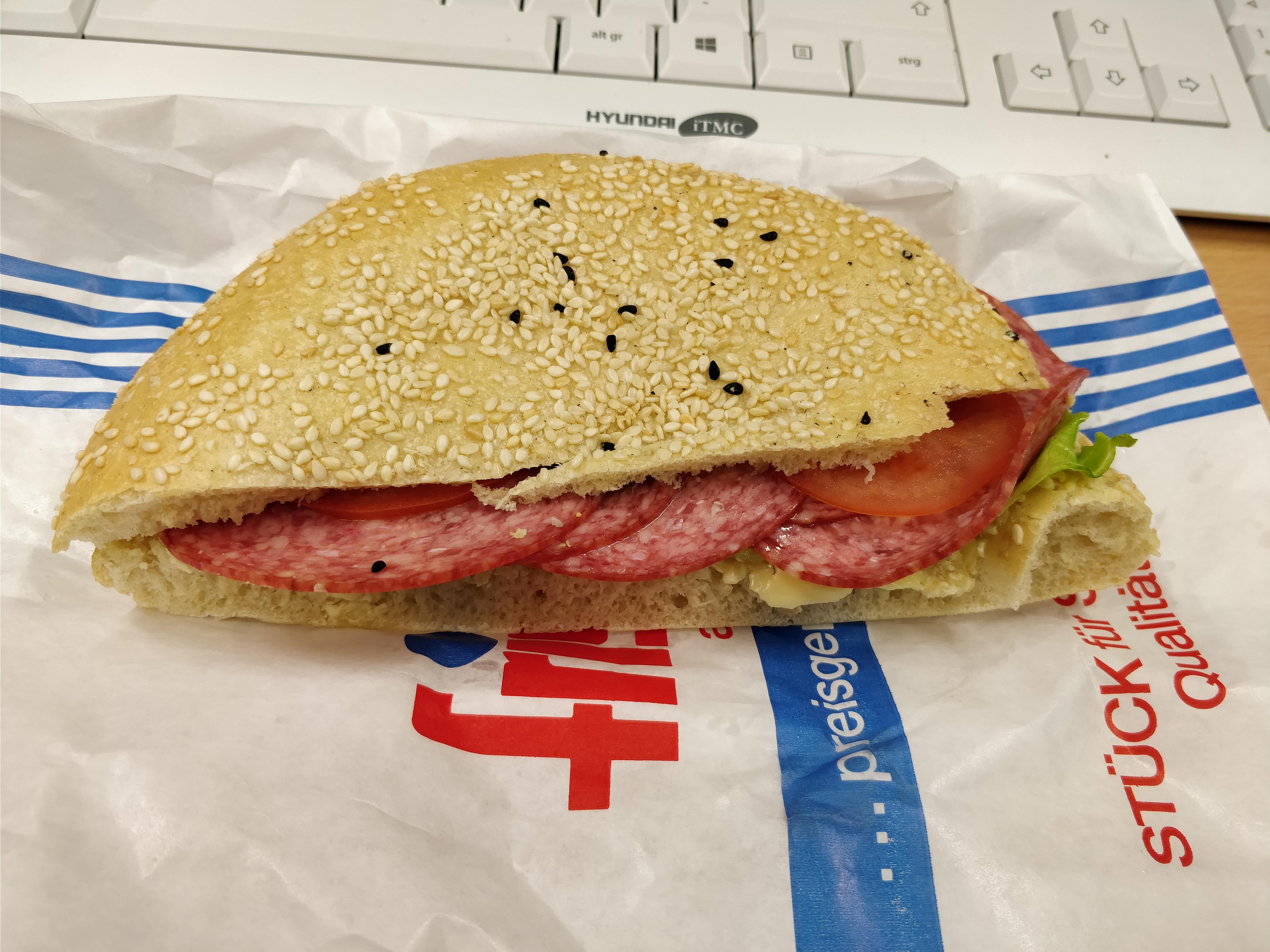 http://foodloader.net/nico_2017-09-14_belegtes-broetchen.jpg