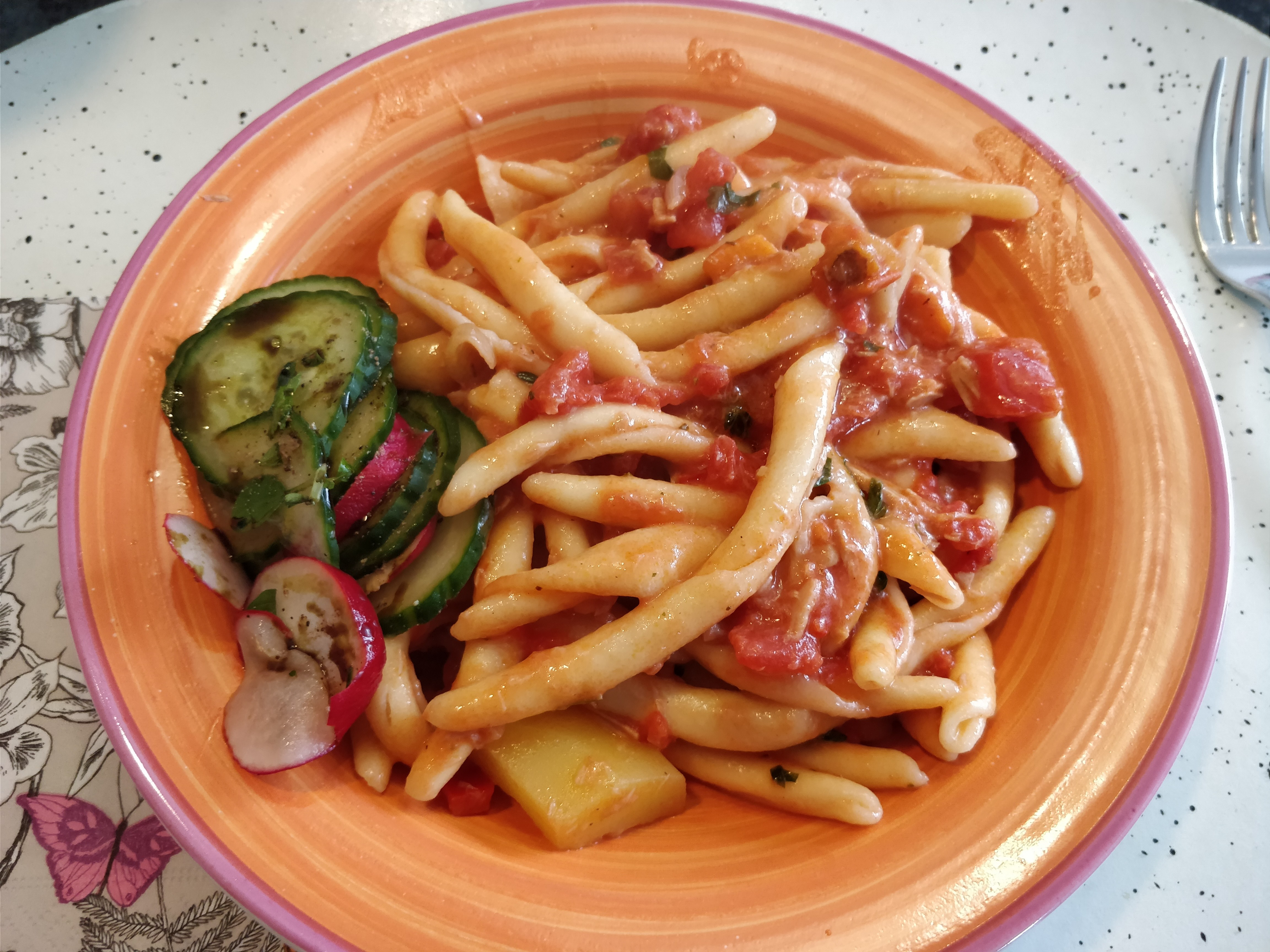 http://foodloader.net/nico_2017-10-03_nudeln-mit-thunfisch-tomaten-sauce.jpg