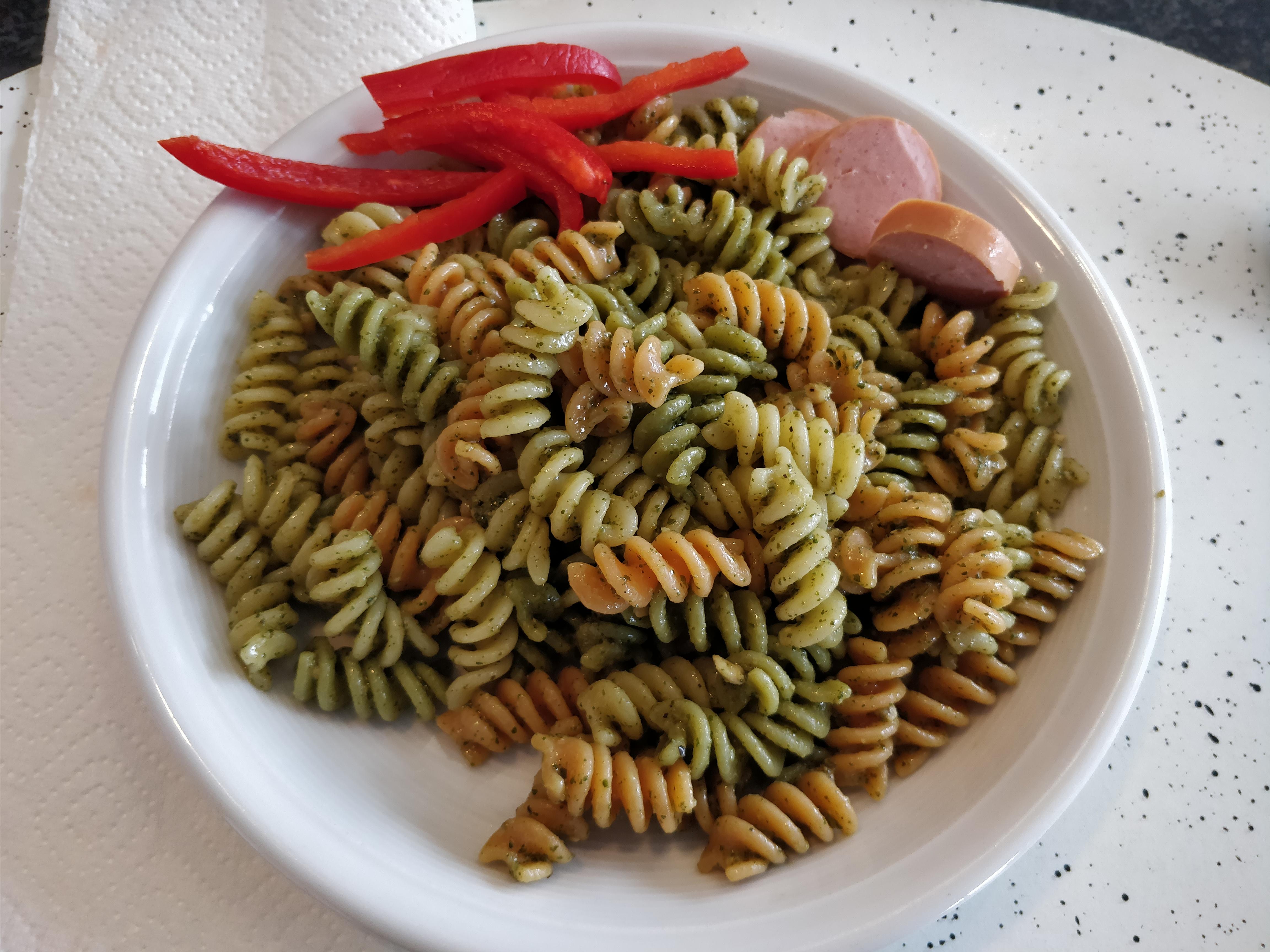 http://foodloader.net/nico_2017-10-07_fusilli-mit-gruenem-pesto.jpg