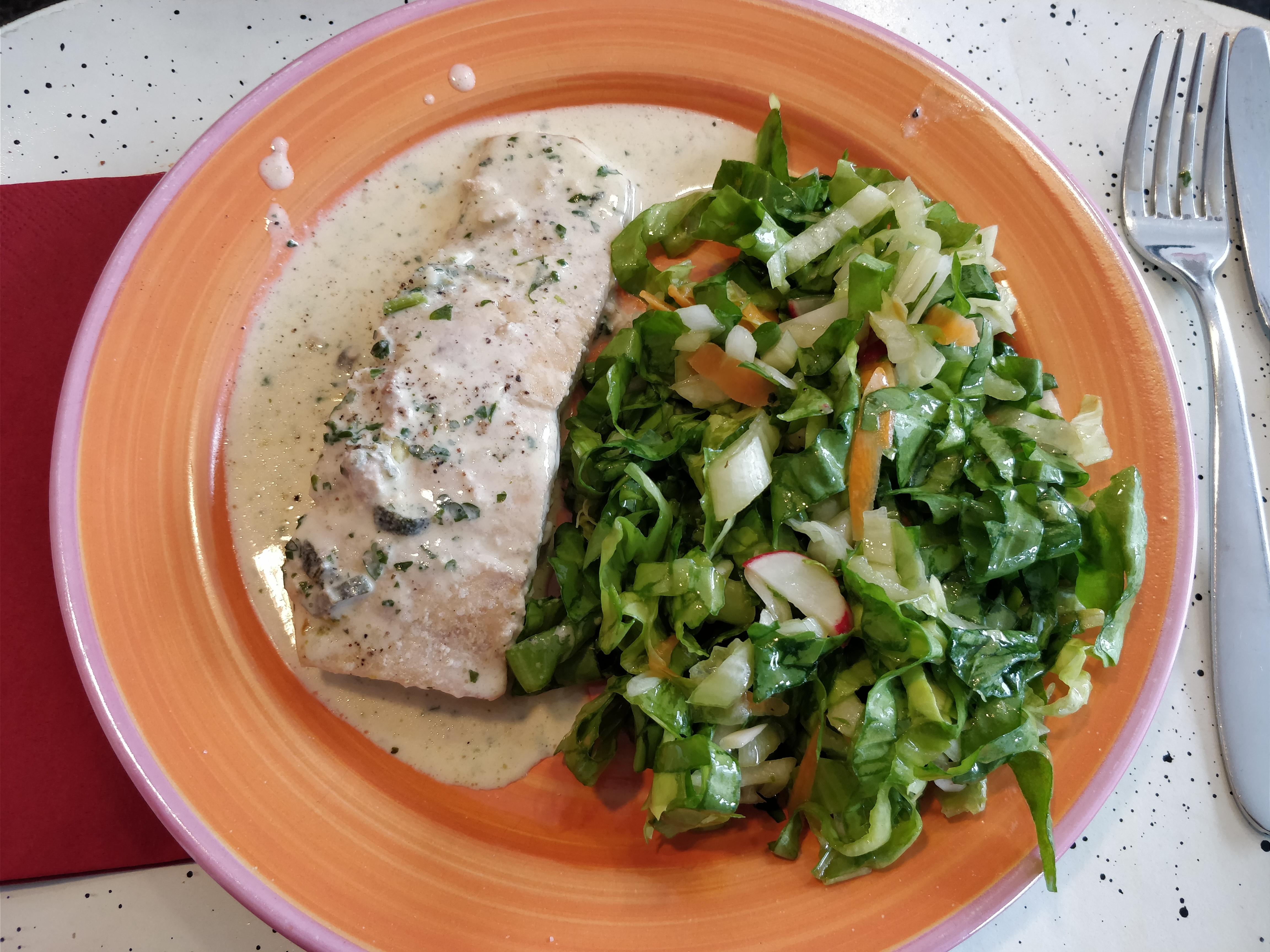 http://foodloader.net/nico_2017-10-08_lachs-und-salat.jpg