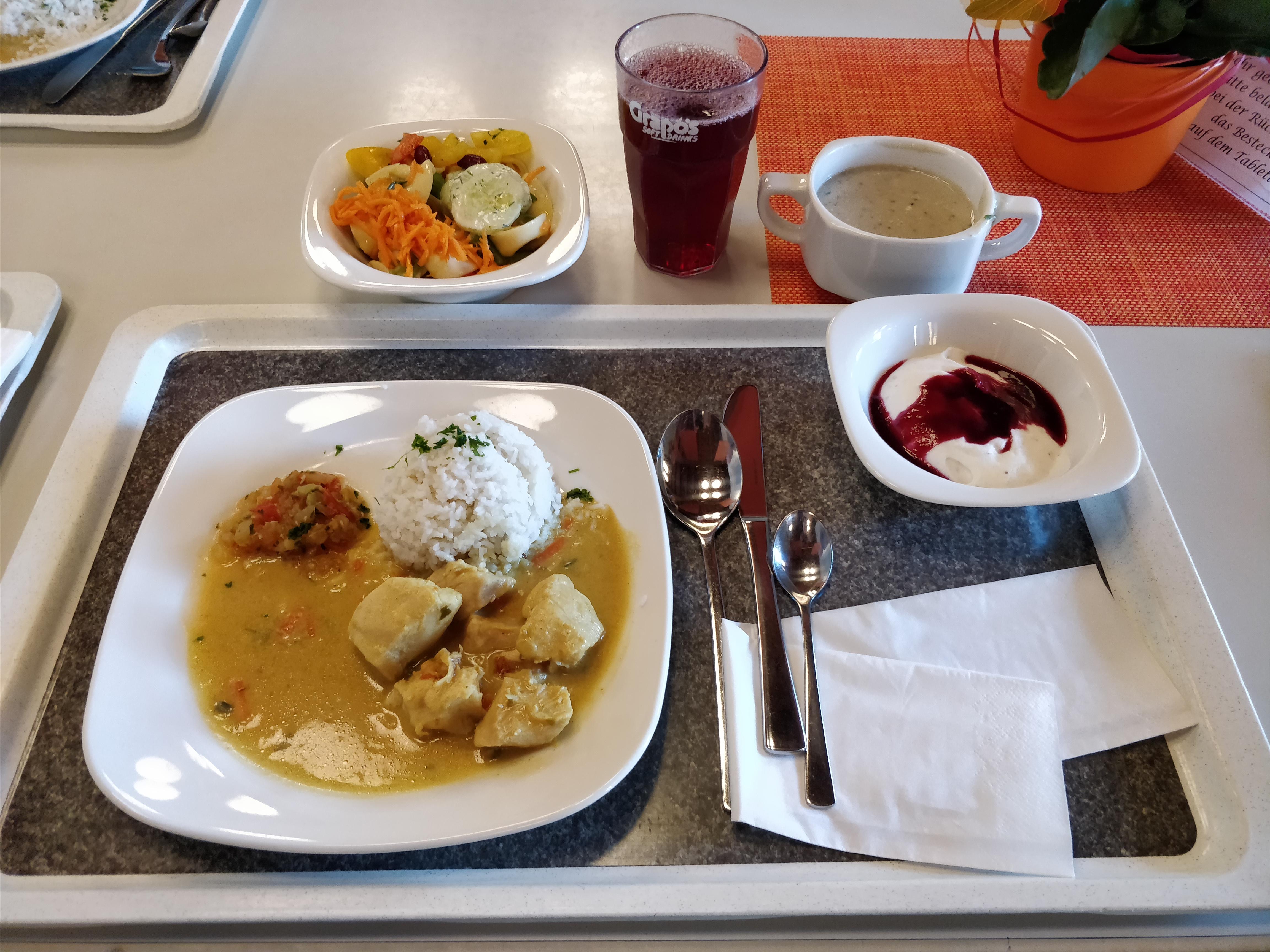 http://foodloader.net/nico_2017-10-17_reis-chicken-suppe-tortellinisalat-nachtisch.jpg