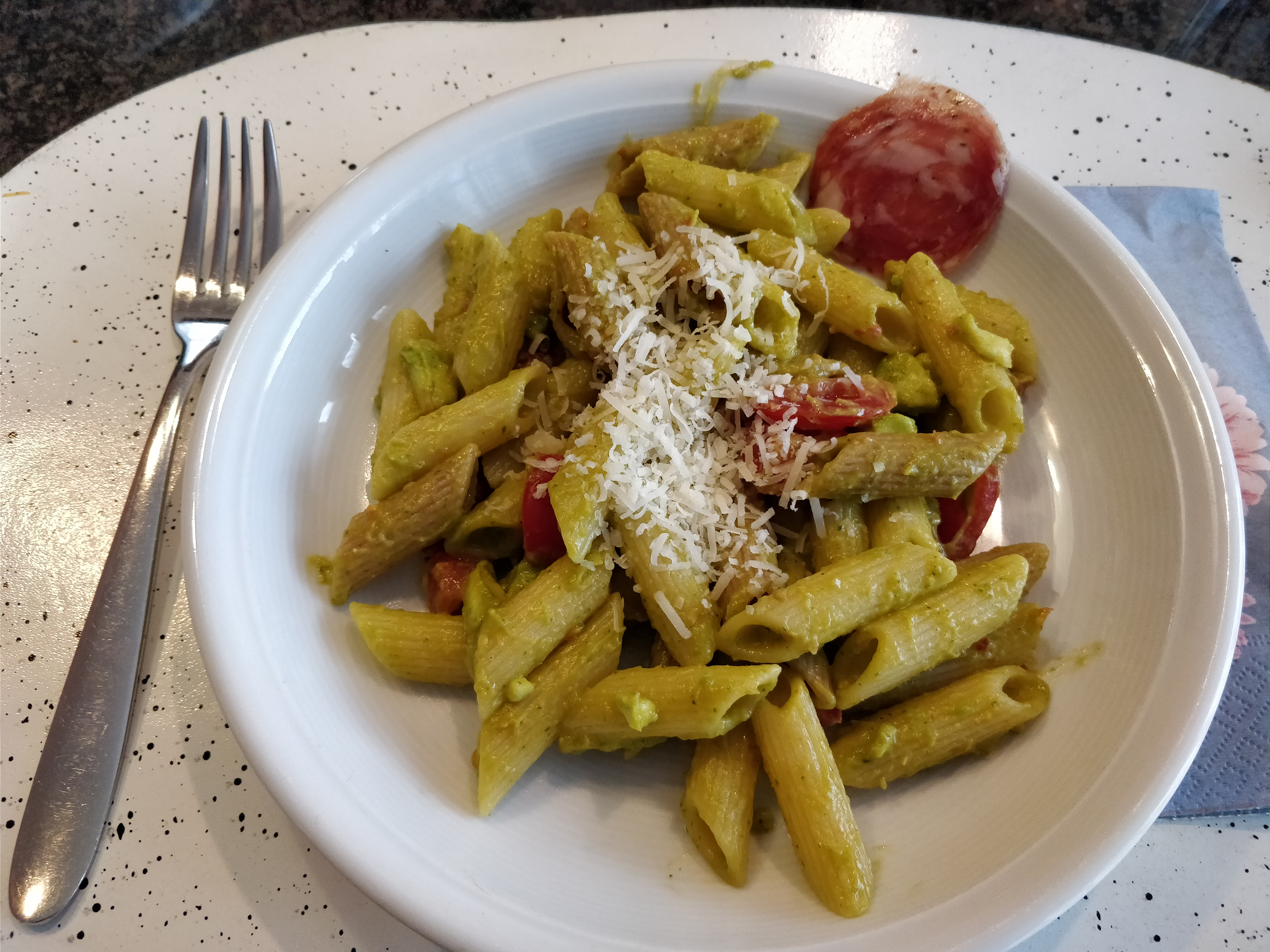 http://foodloader.net/nico_2017-10-21_penne-mit-avocado-sauce.jpg