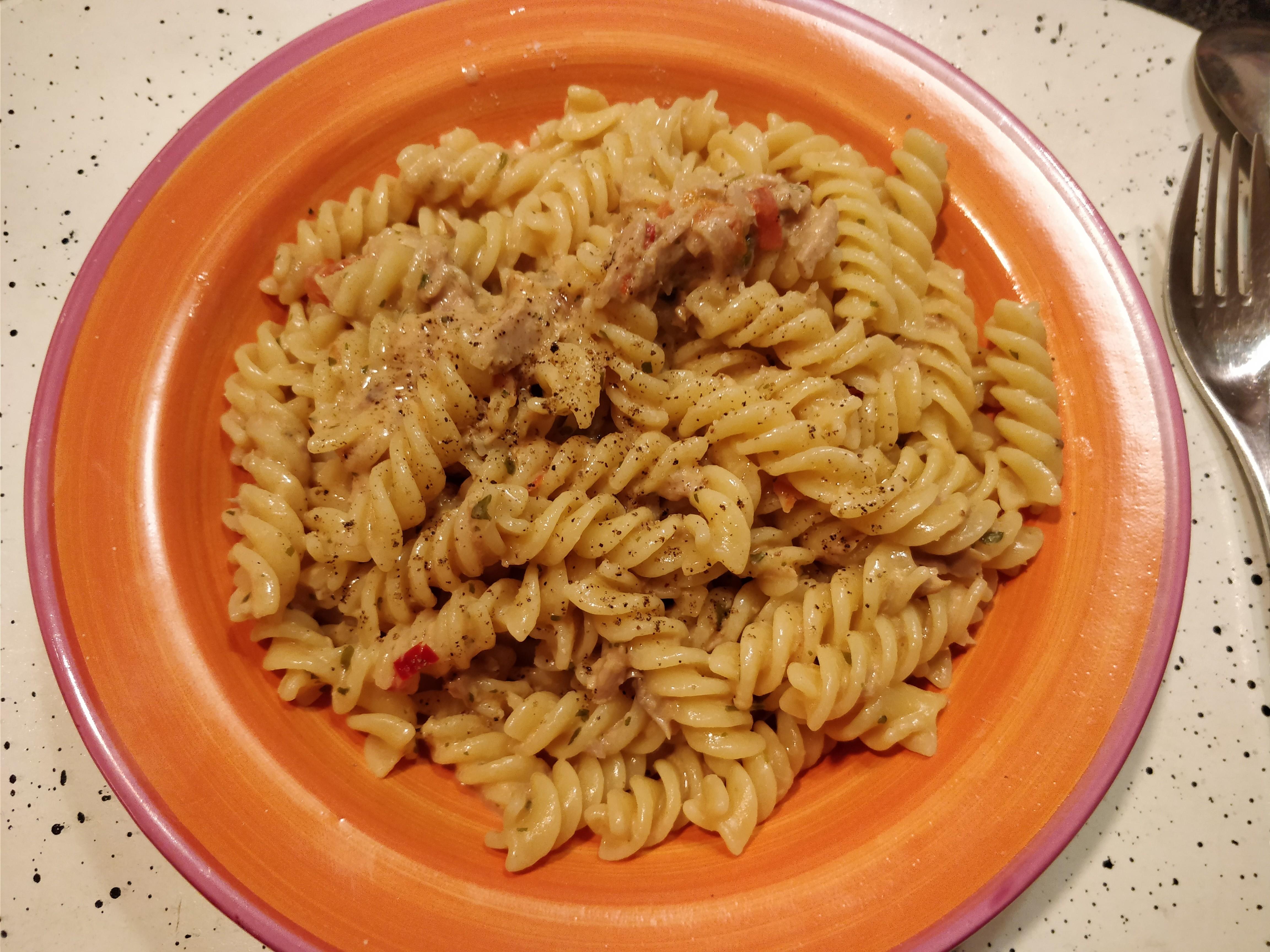 http://foodloader.net/nico_2017-10-22_fusilli-mit-thunfisch-sahne-sauce.jpg