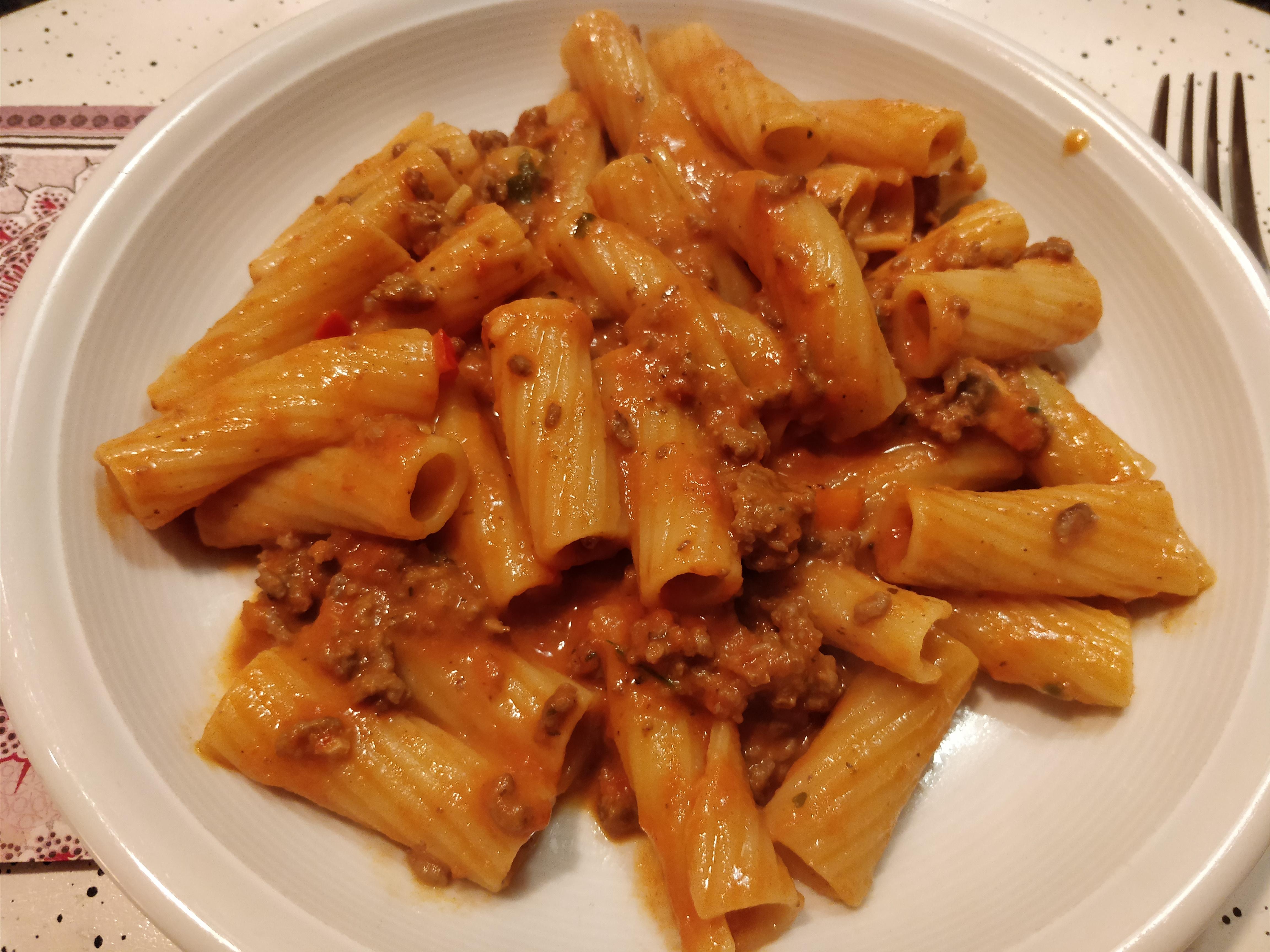 http://foodloader.net/nico_2017-11-01_rigatoni-bolognese.jpg
