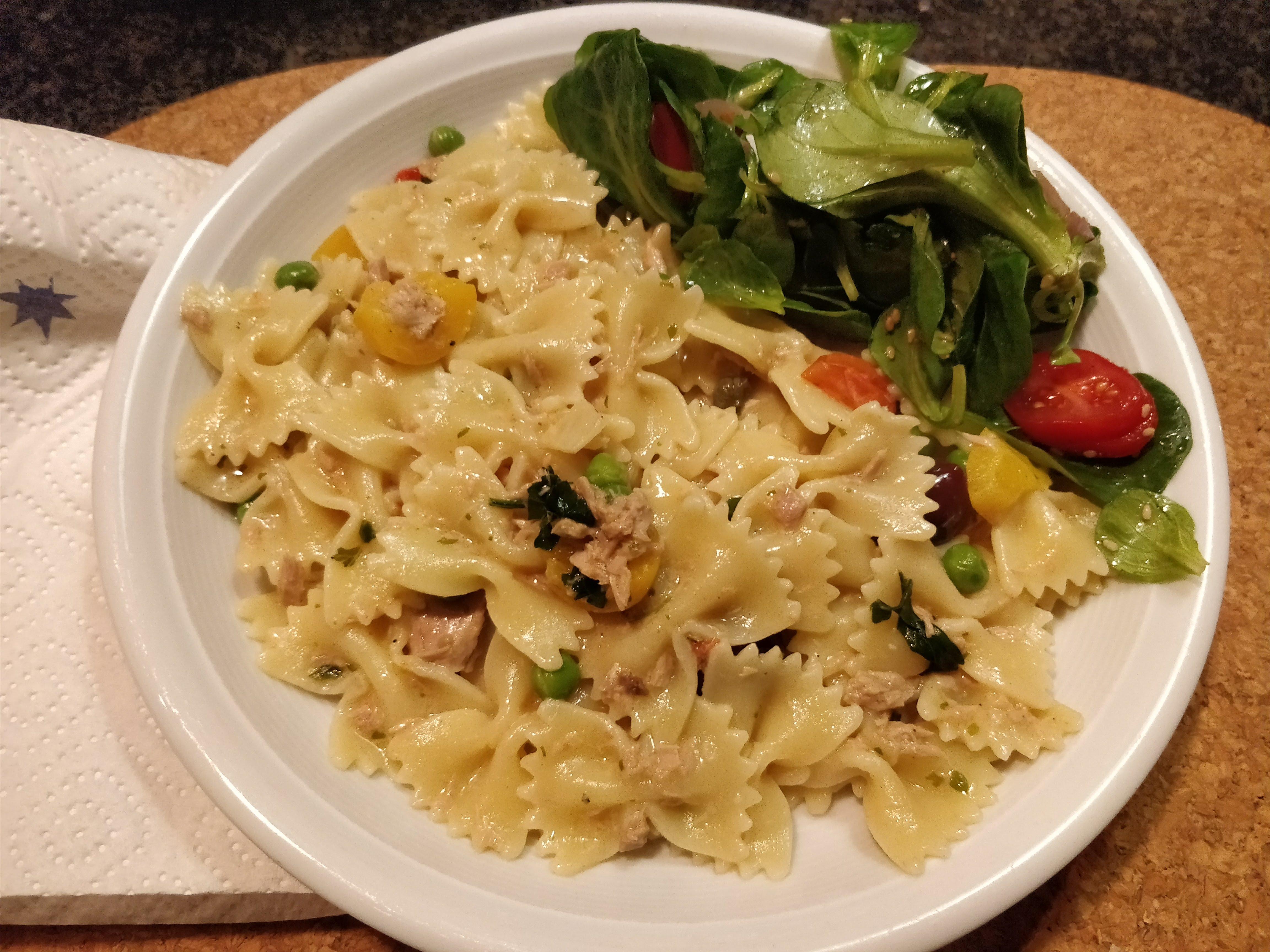 http://foodloader.net/nico_2017-12-17_farfalle-mit-thunfisch-sahne-sauce.jpg