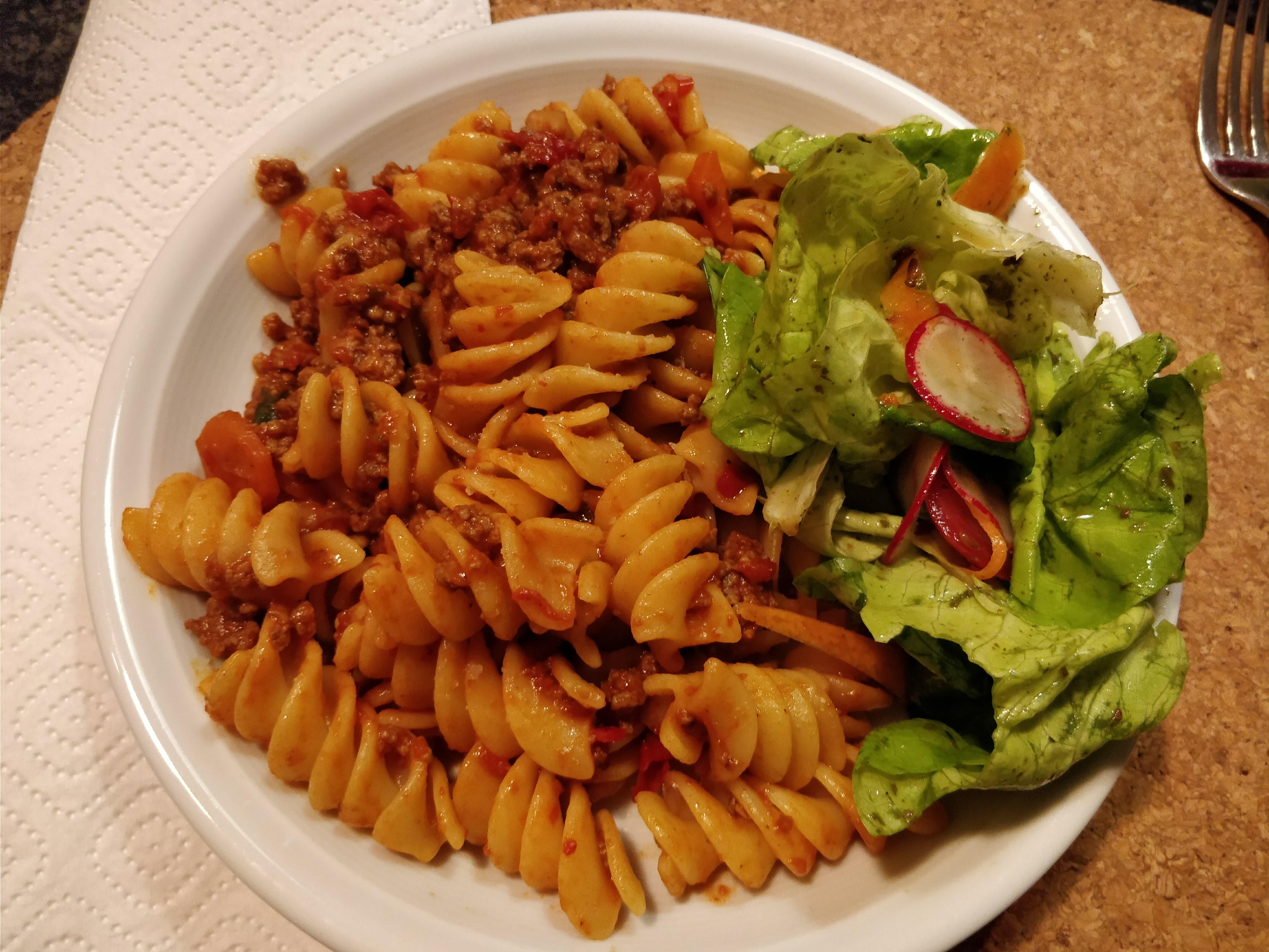 http://foodloader.net/nico_2018-01-05_nudeln-mit-bolognese-sauce.jpg