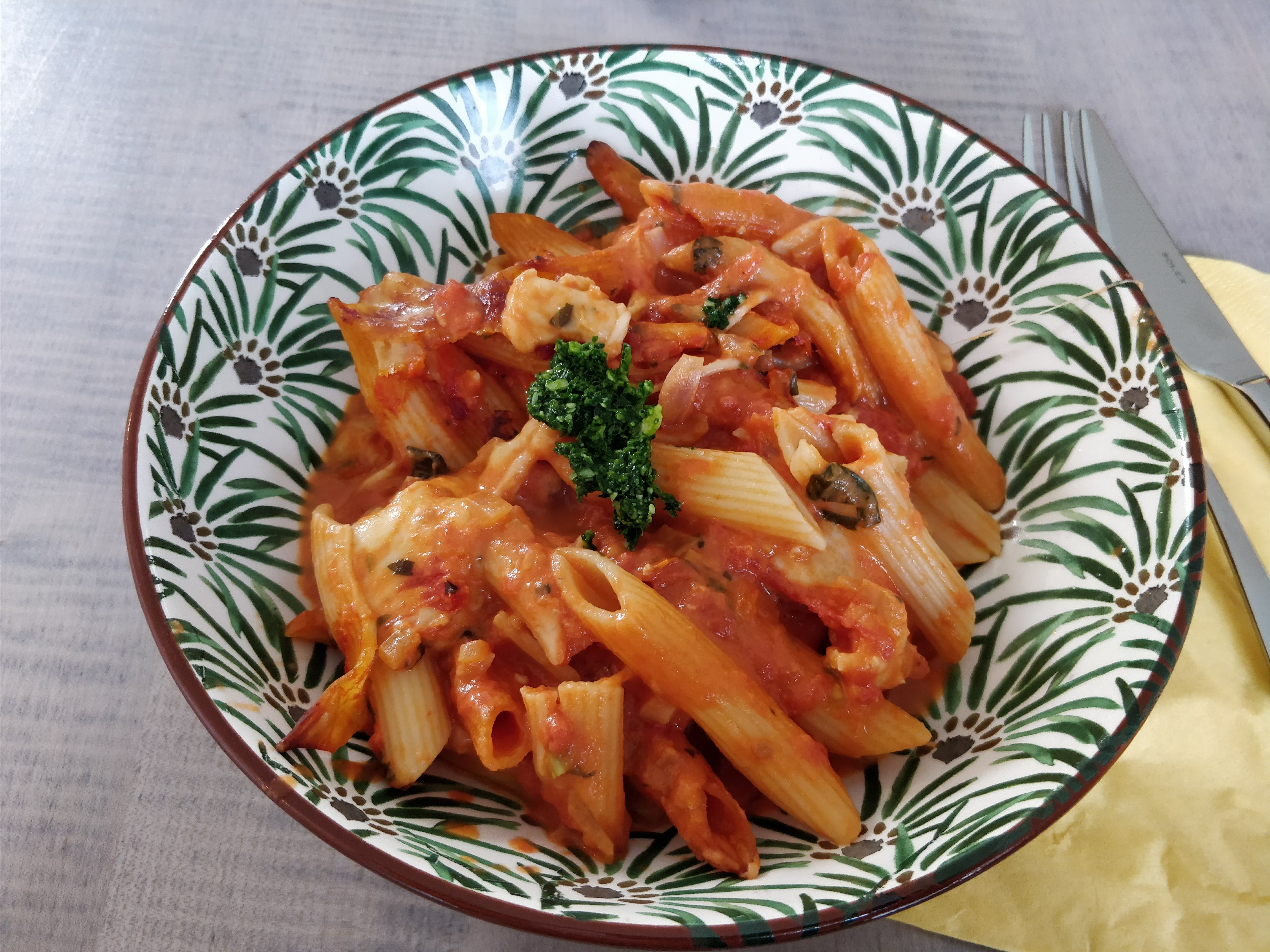 https://foodloader.net/nico_2018-01-12_penne-mit-tomatne-mozarella-sauce.jpg