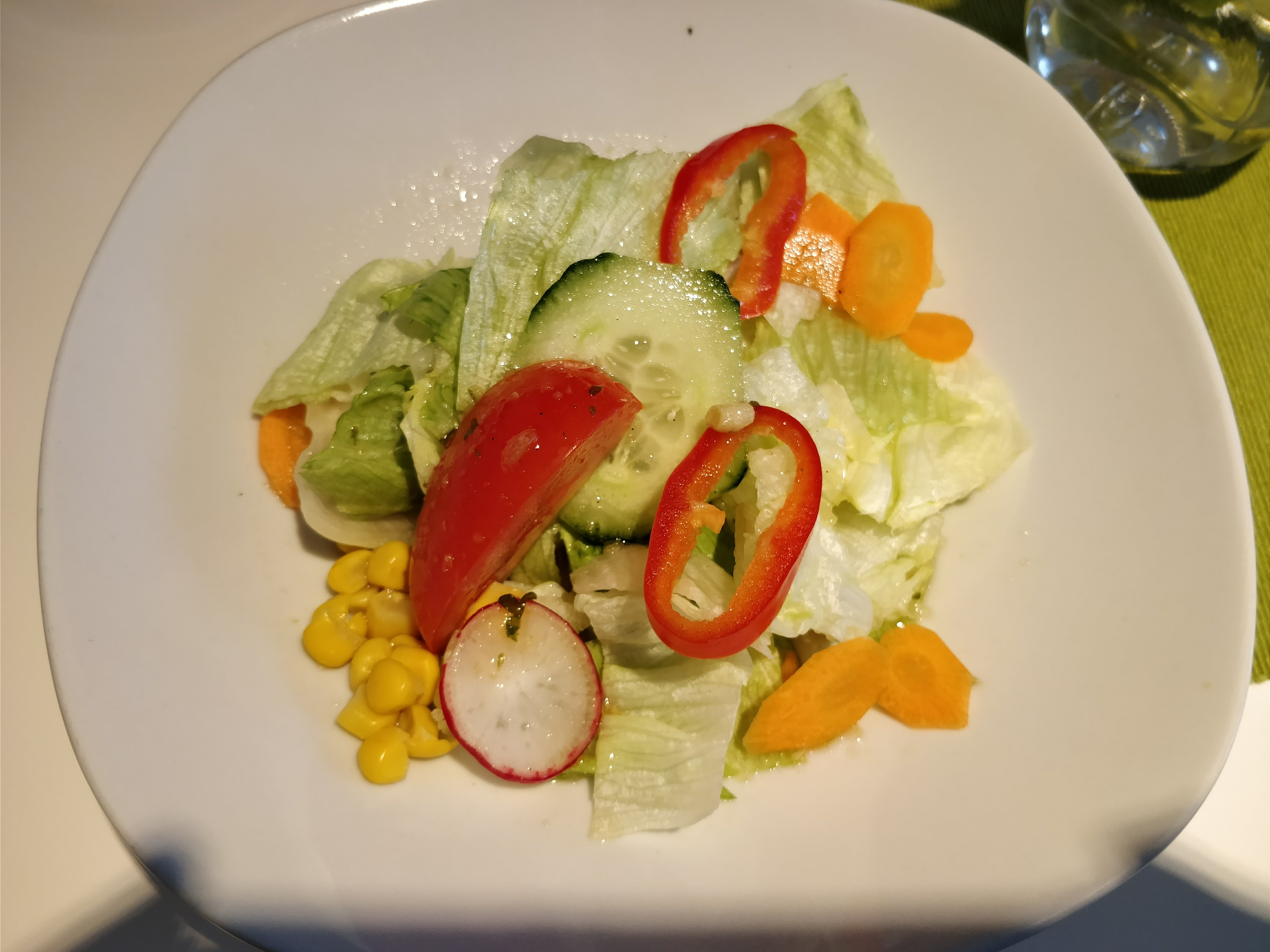 http://foodloader.net/nico_2018-01-18_salat.jpg