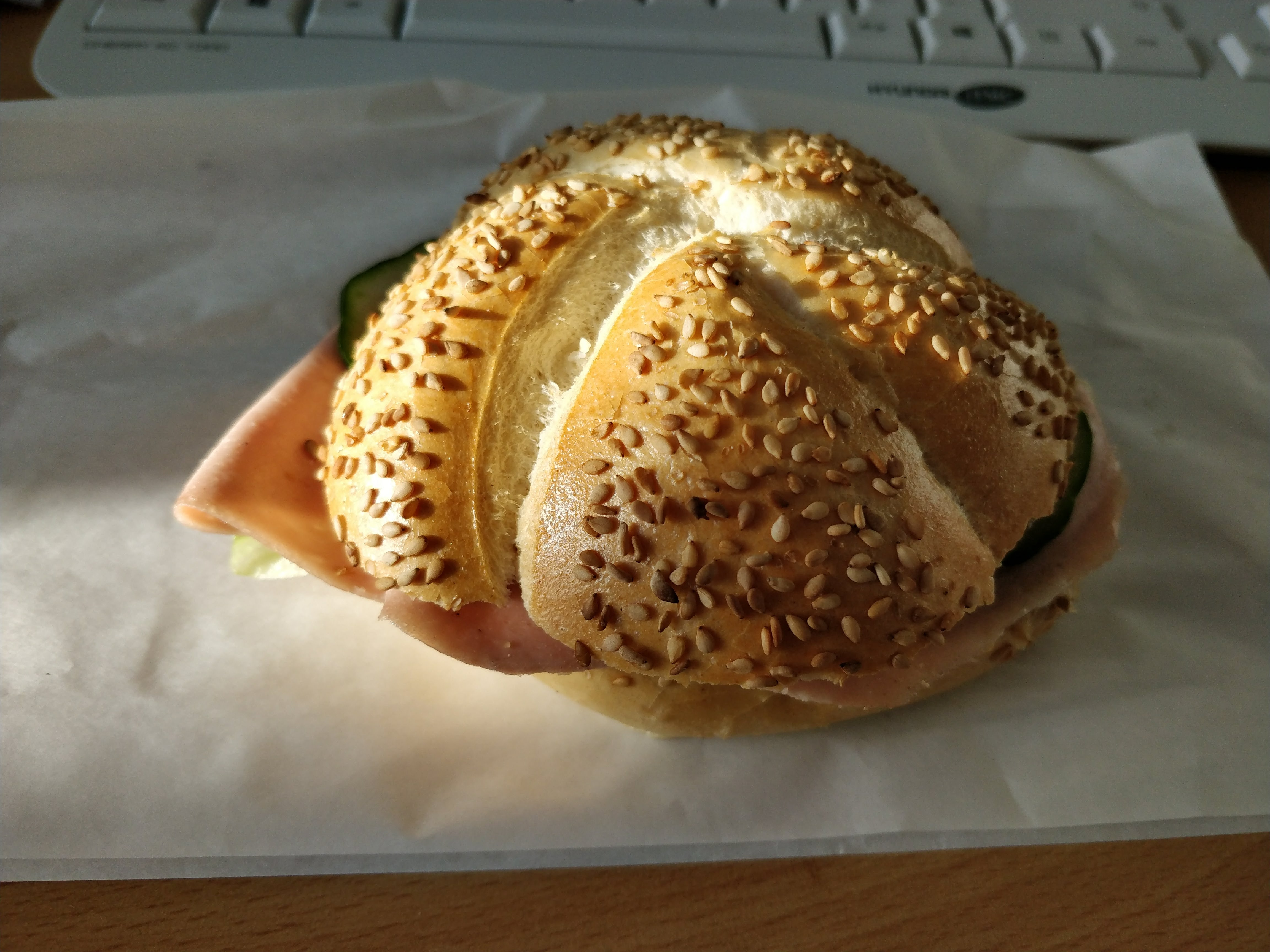 http://foodloader.net/nico_2018-01-24_belegtes-broetchen.jpg