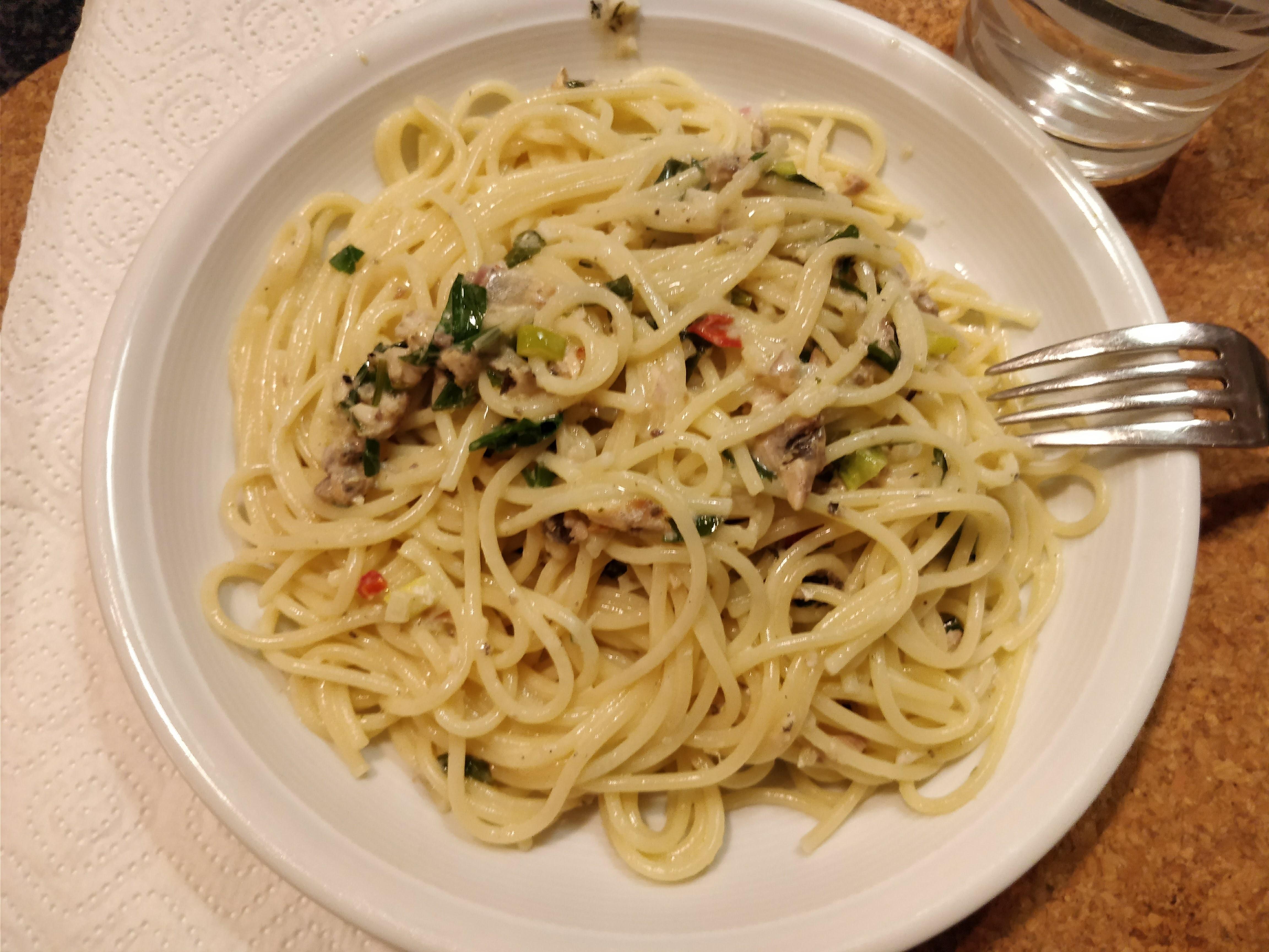 http://foodloader.net/nico_2018-02-17_spaetzle-mit-sardinen-sauce.jpg