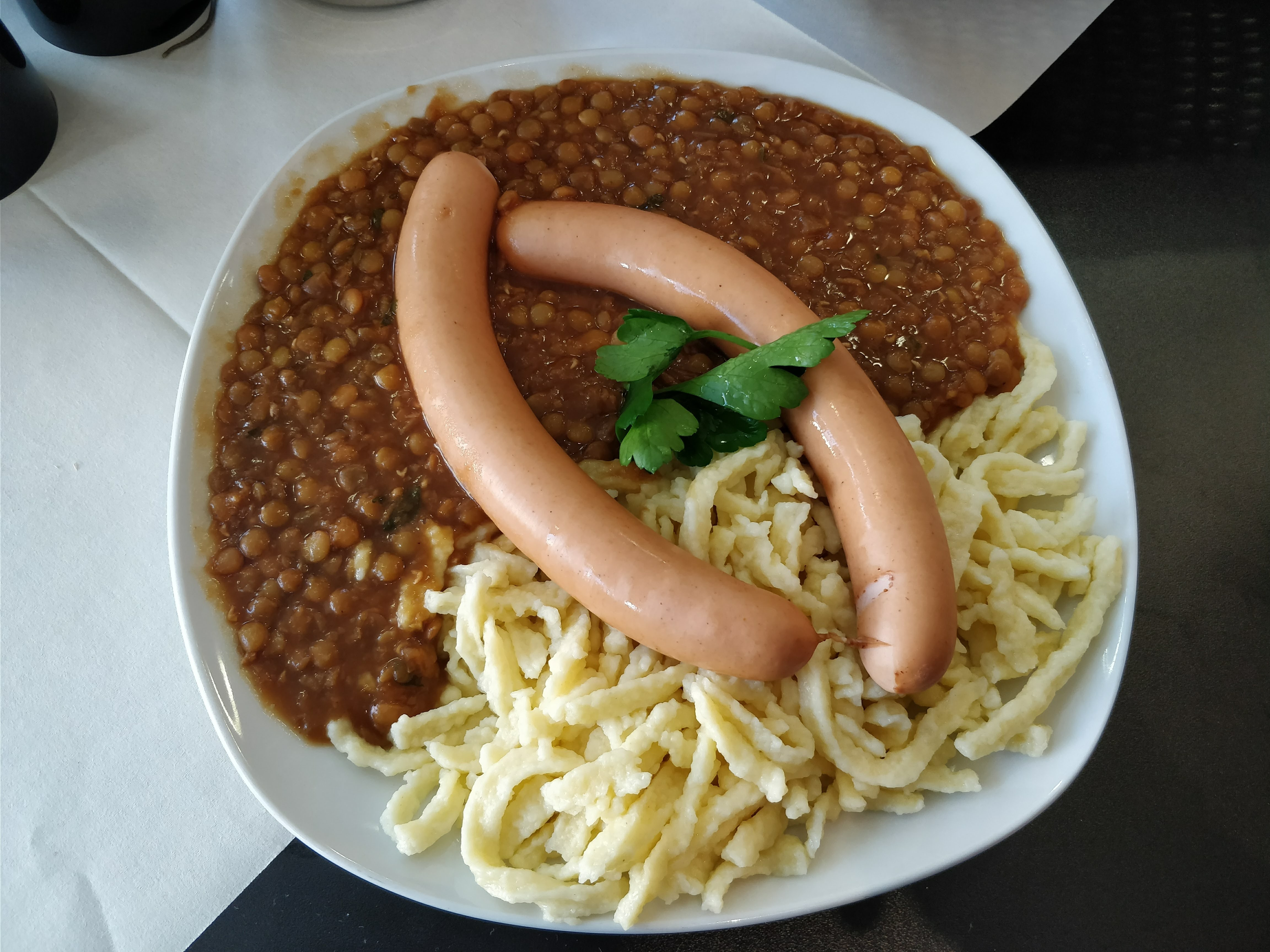 http://foodloader.net/nico_2018-02-26_linsen-und-spaetzle-mit-saitenwuerstchen.jpg
