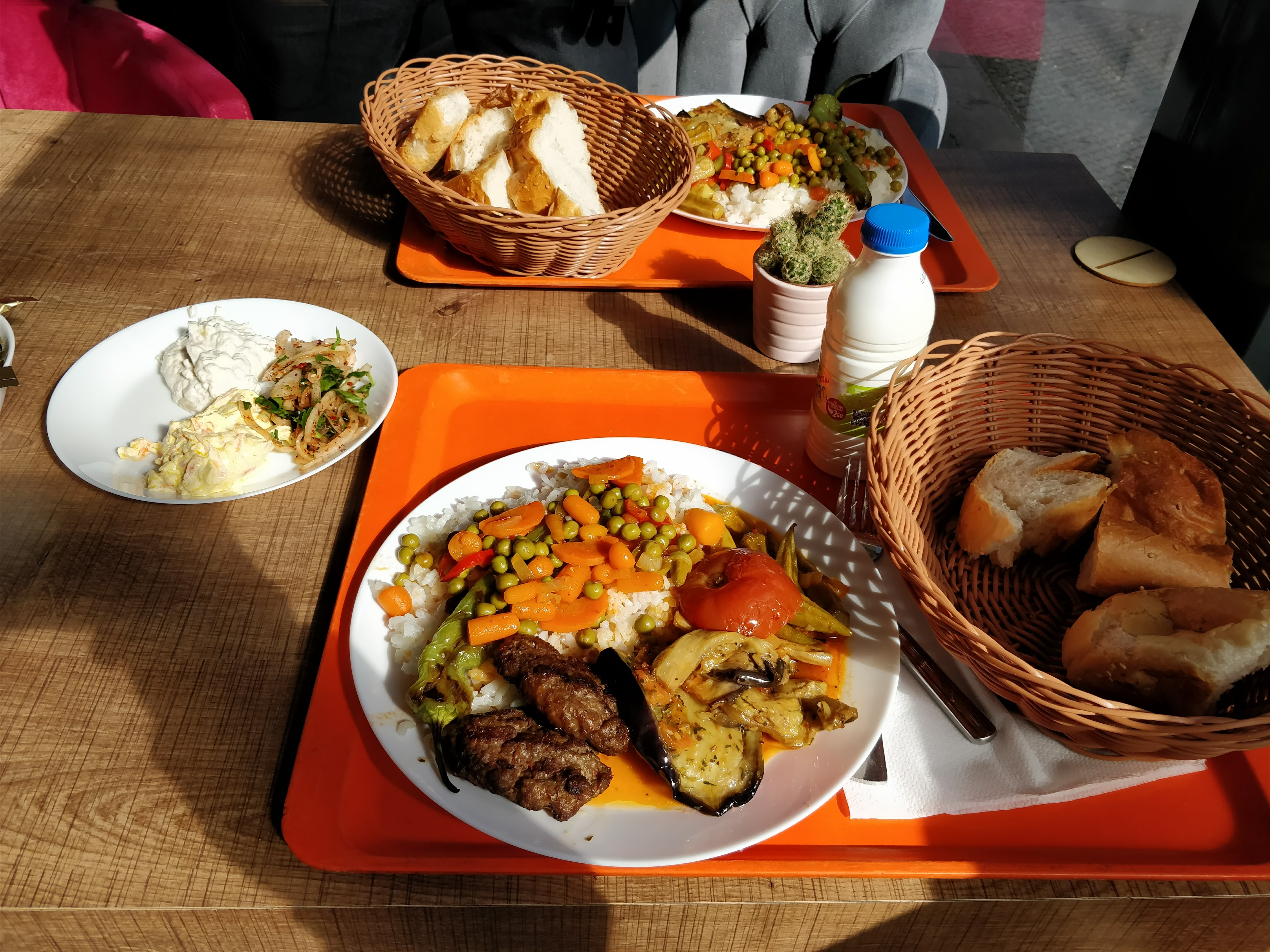 https://foodloader.net/nico_2018-03-08_tuerke-tagesbuffet.jpg