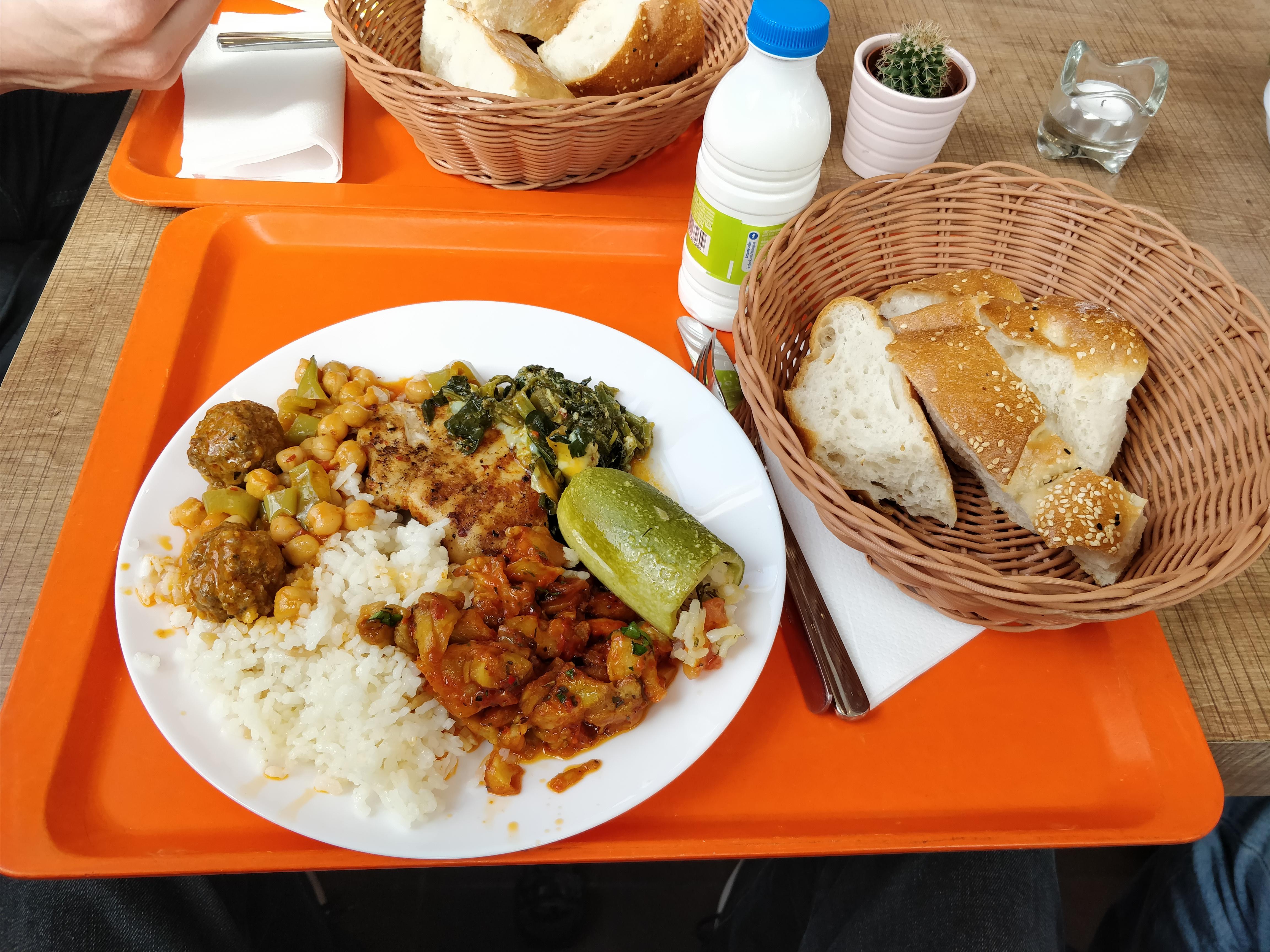 https://foodloader.net/nico_2018-03-14_tuerke-tagesbuffet.jpg