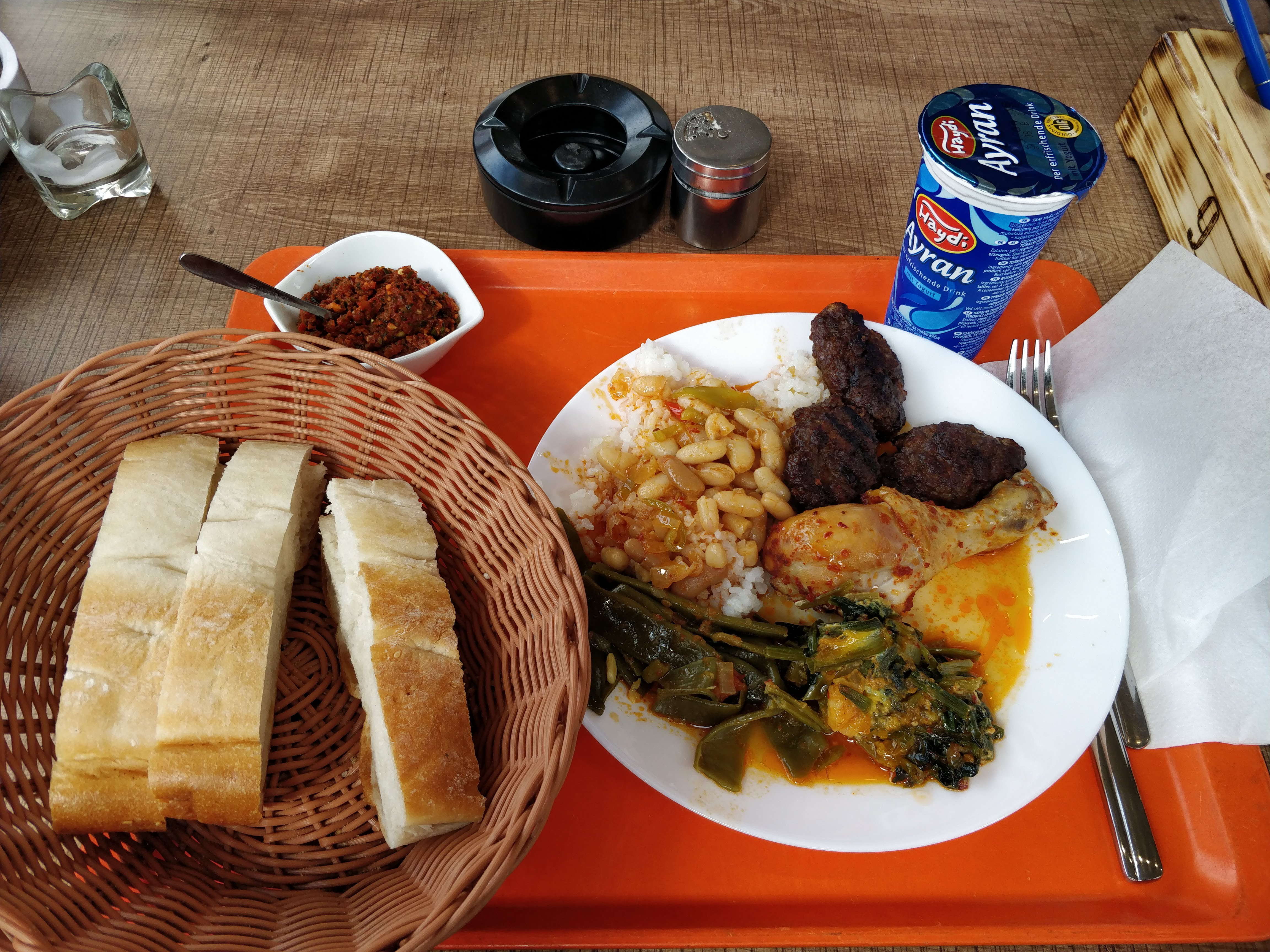 https://foodloader.net/nico_2018-03-28_tuerke-tagesbuffet.jpg