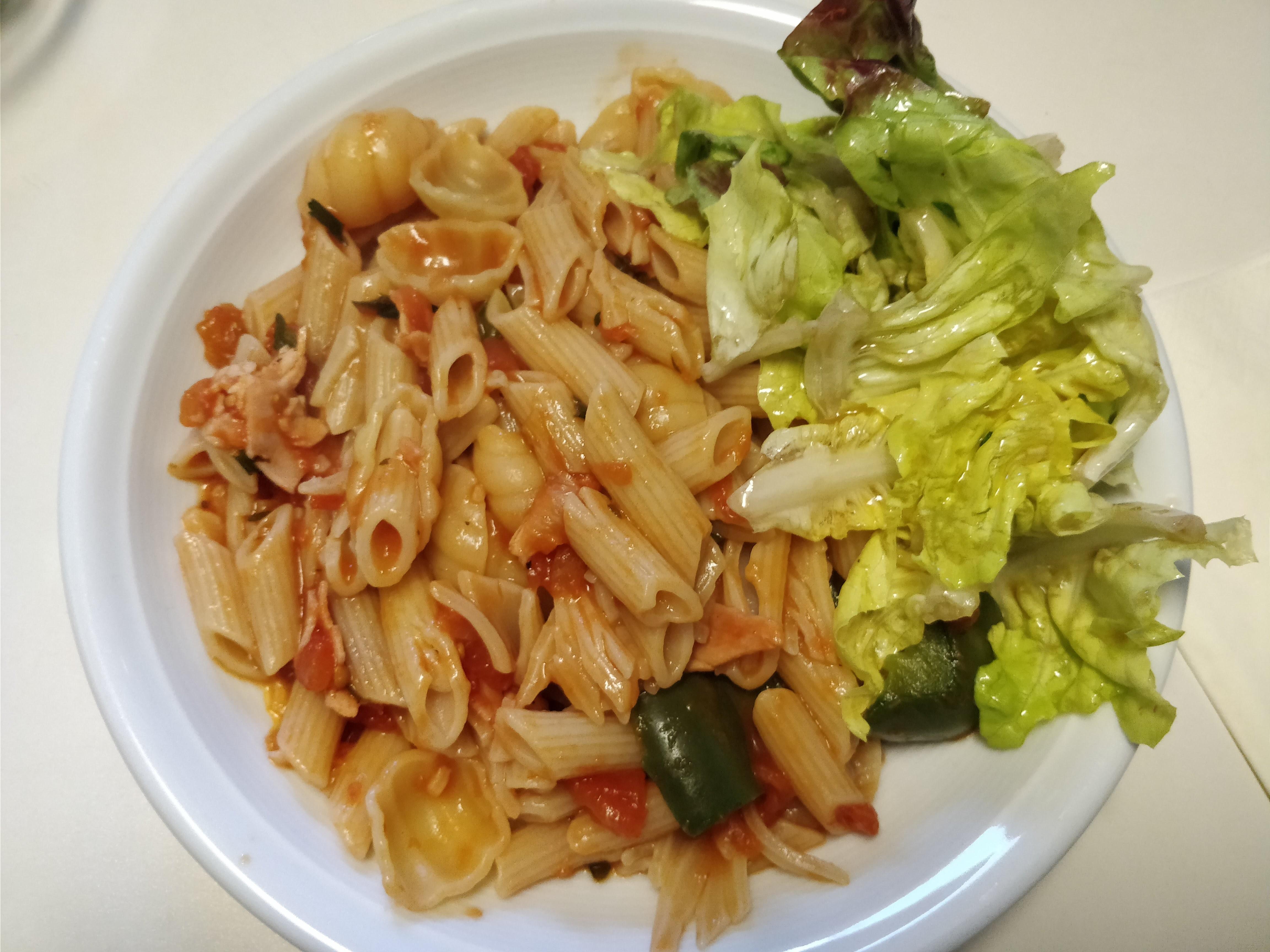 http://foodloader.net/nico_2018-04-04_nudeln-mit-gemuese-sauce.jpg