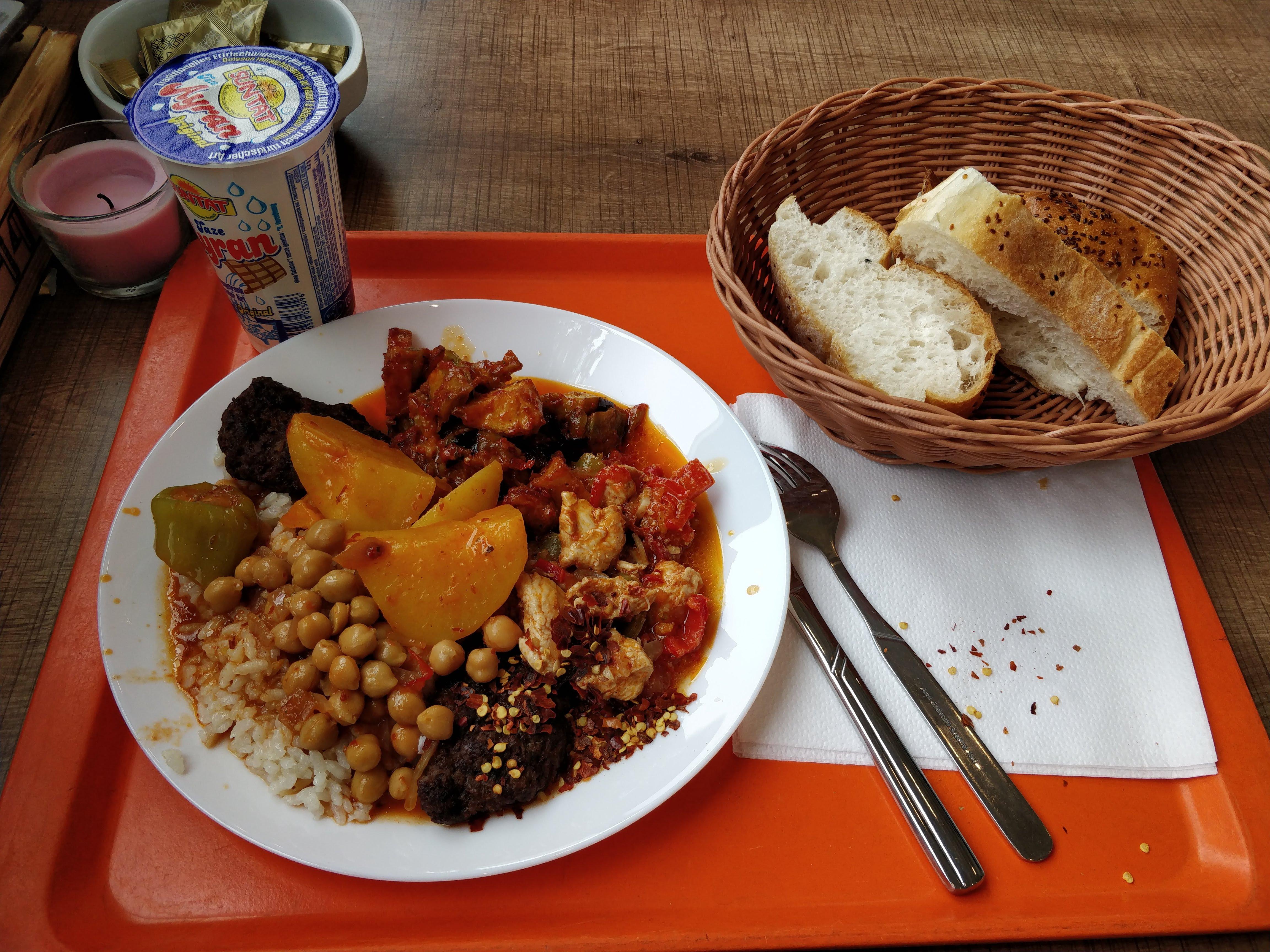 http://foodloader.net/nico_2018-05-02_tuerke-tagesbuffet.jpg