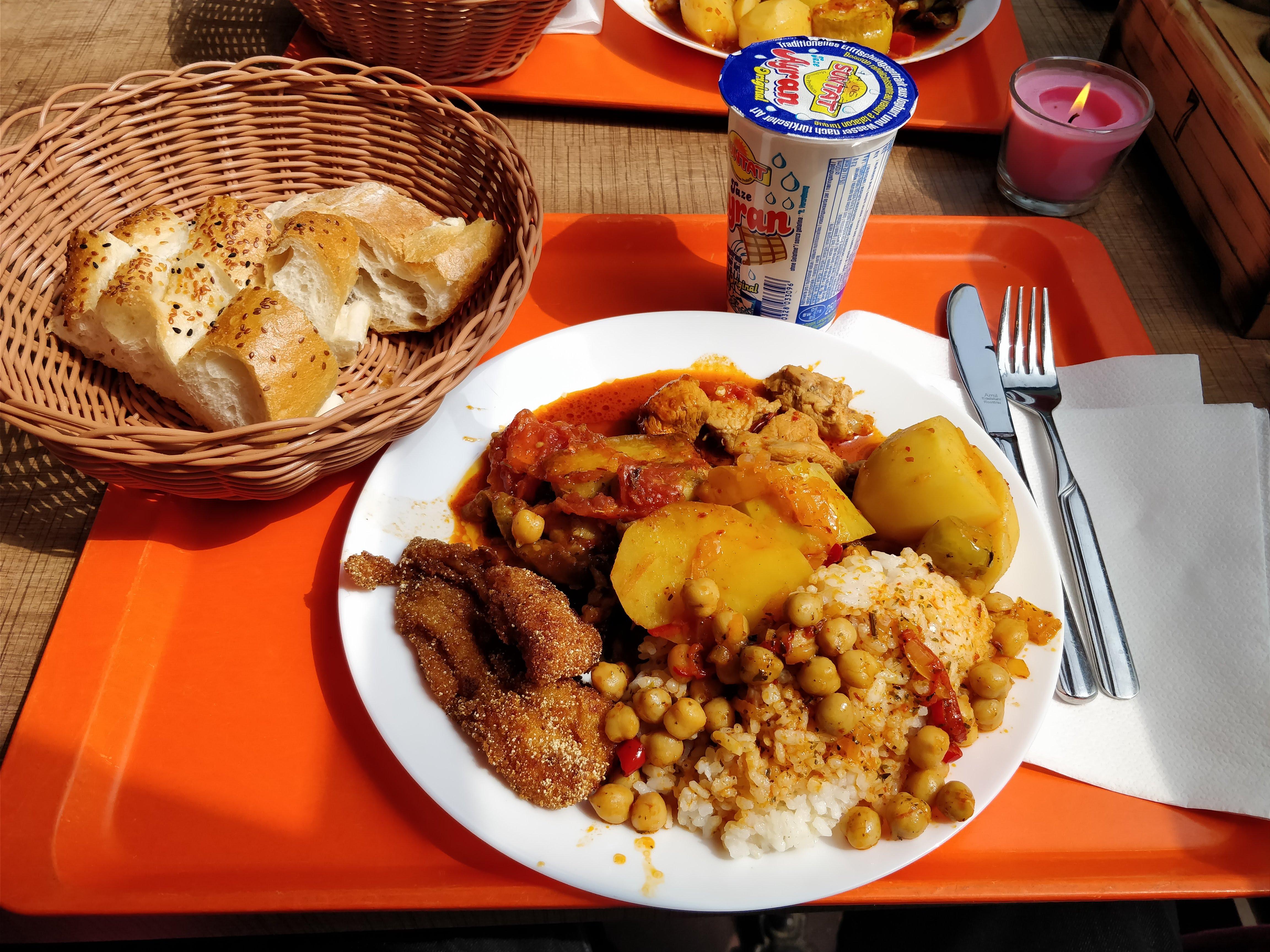 https://foodloader.net/nico_2018-05-04_tuerke-tagesbuffet.jpg