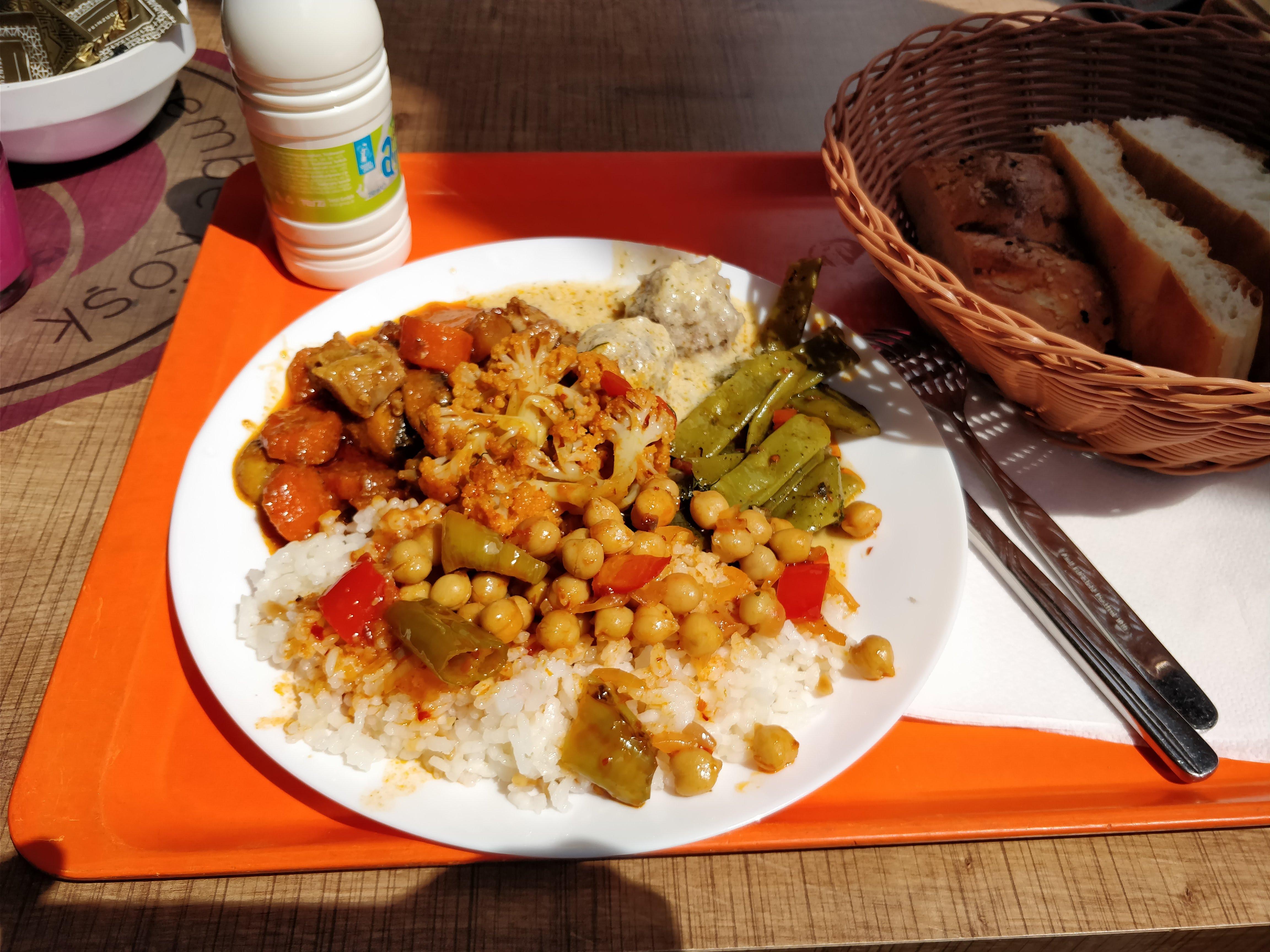 https://foodloader.net/nico_2018-05-15_tuerke-tagesbuffet.jpg