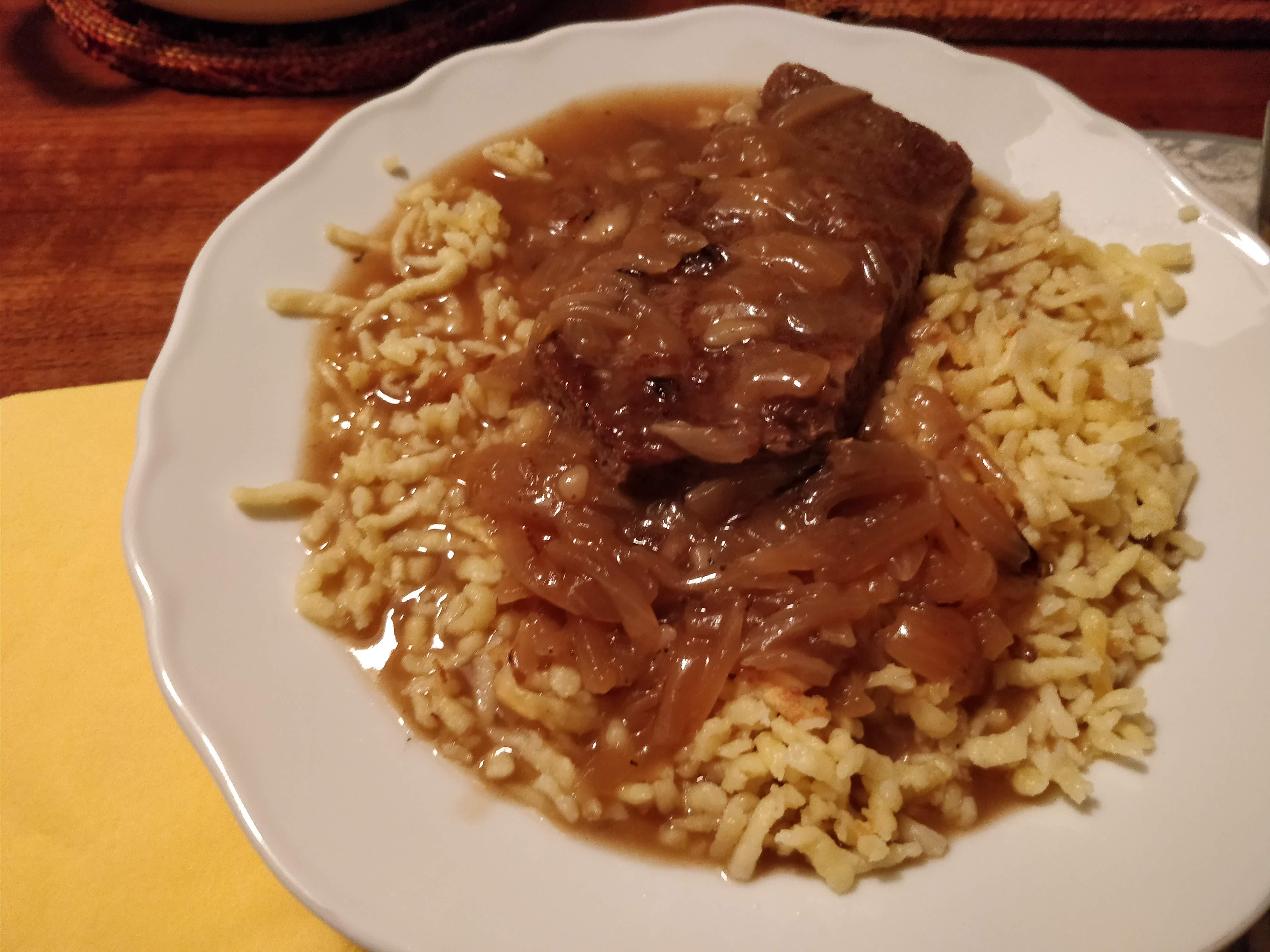 https://foodloader.net/nico_2018-05-23_rostbraten-mit-spaetzle.jpg