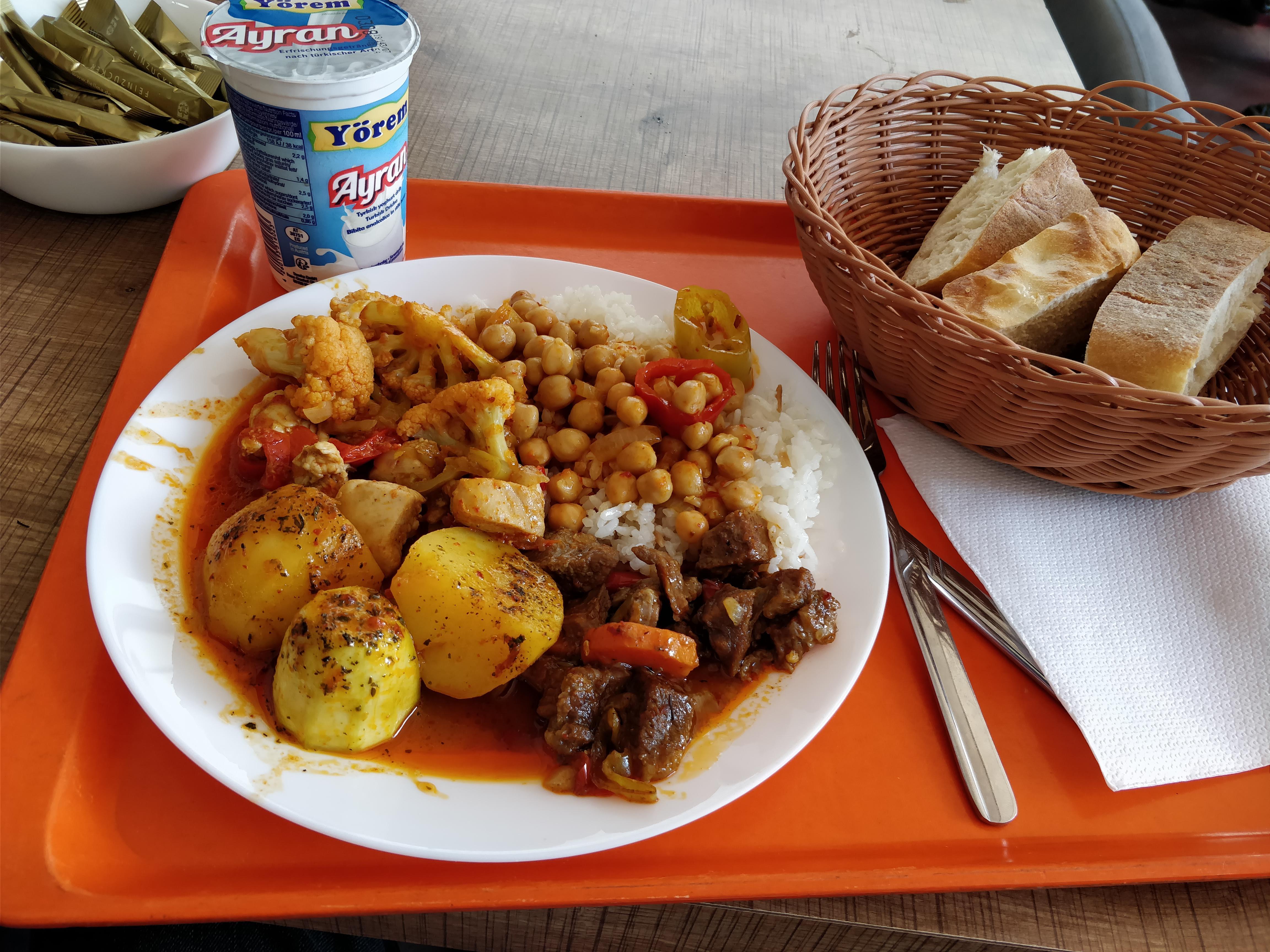 https://foodloader.net/nico_2018-06-18_tuerke-tagesbuffet.jpg