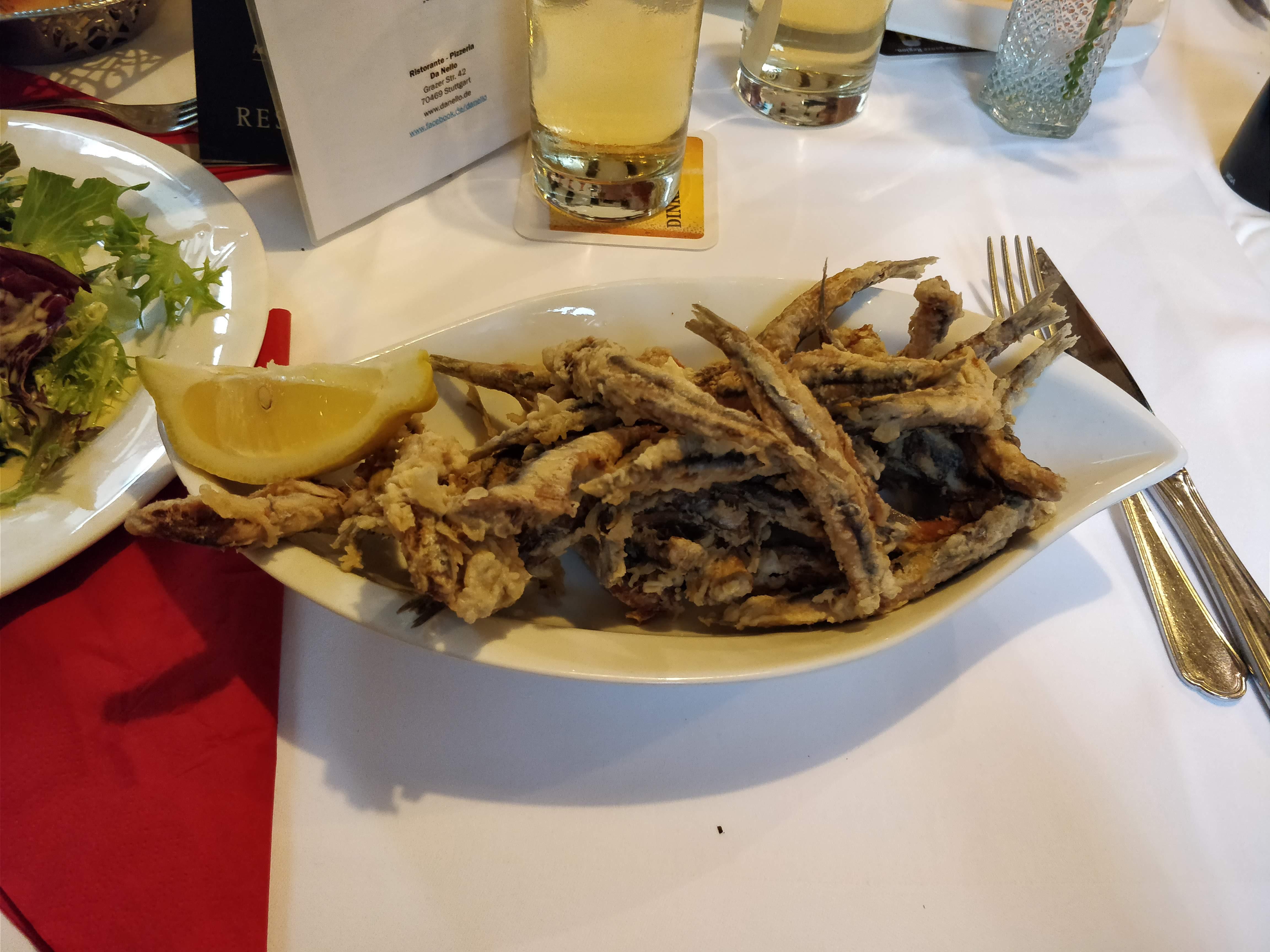 http://foodloader.net/nico_2018-07-04_frittierte-sardinen.jpg