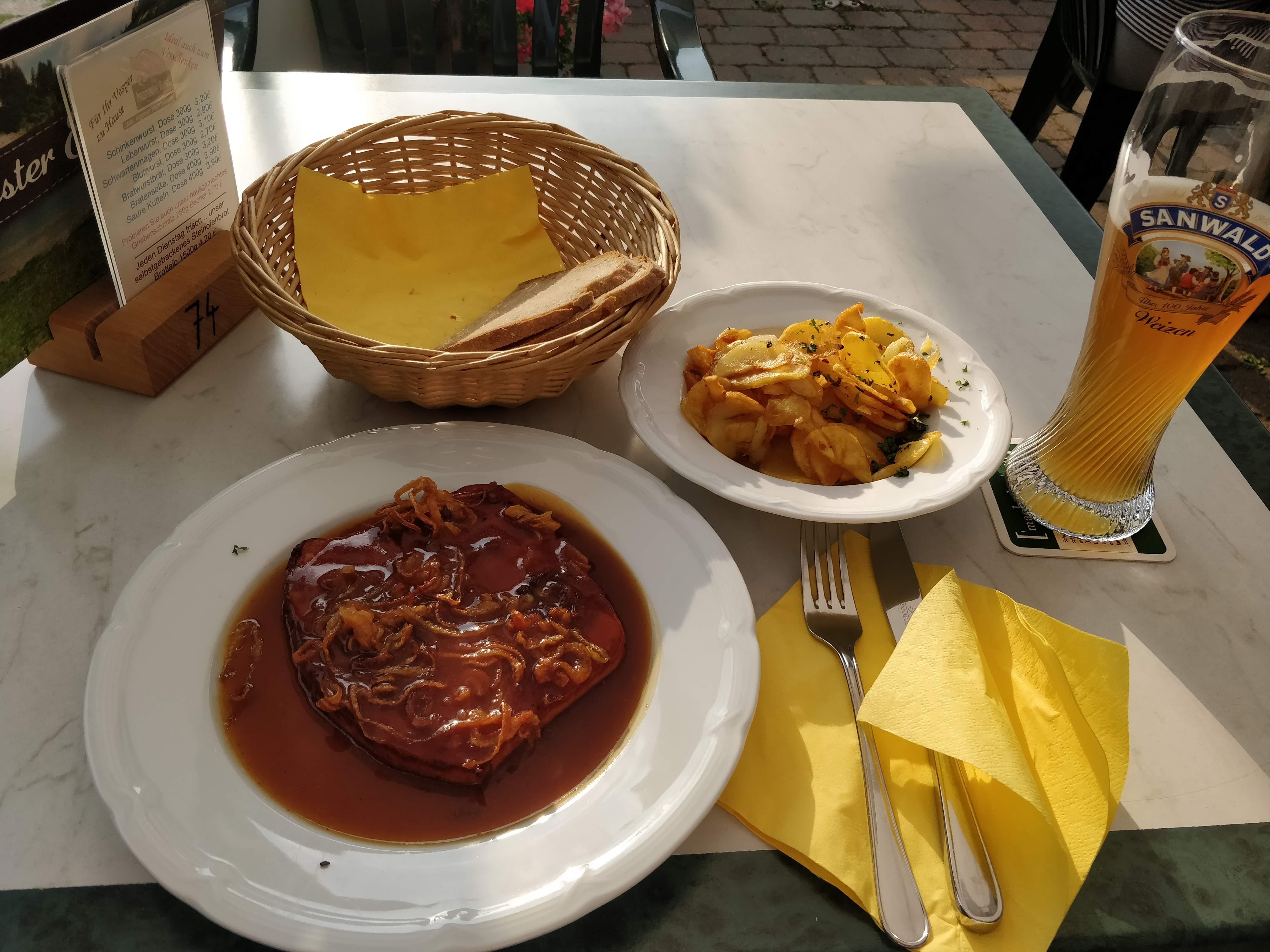 https://foodloader.net/nico_2018-08-18_fleischkaese-und-bratkartoffeln.jpg